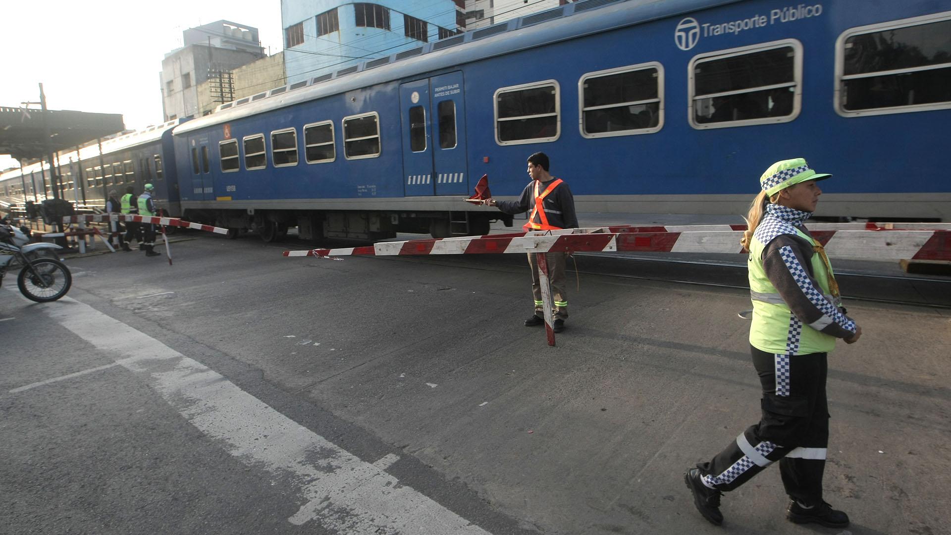 Otra vez un corte del cable de señalamiento en el trayecto de la línea del ferrocarril San Martín generó demoras en los pasos a nivel. Como consecuencia del desperfecto fueron afectadas las barreras de Cabrera y Honduras, y se provocó un caos de tránsito