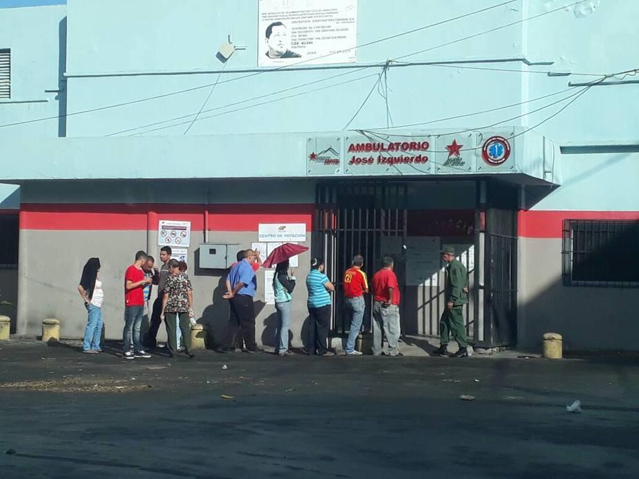 Un retrato de Chávez no lograr atraer a más gente a votar en La Pastora (El Nacional)