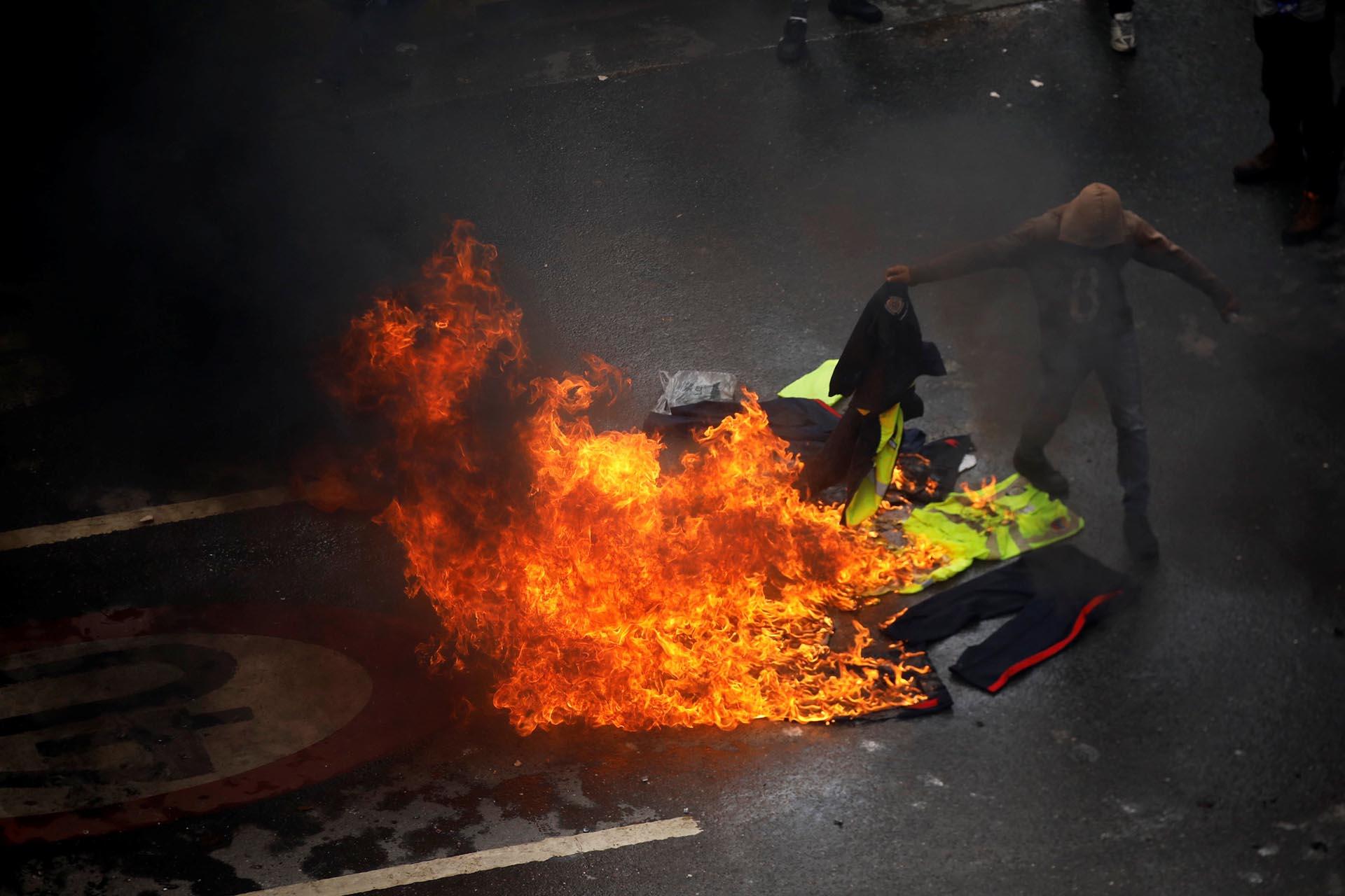 Las protestas se extendieron a lo largo de la jornada por todo el país (Reuters)