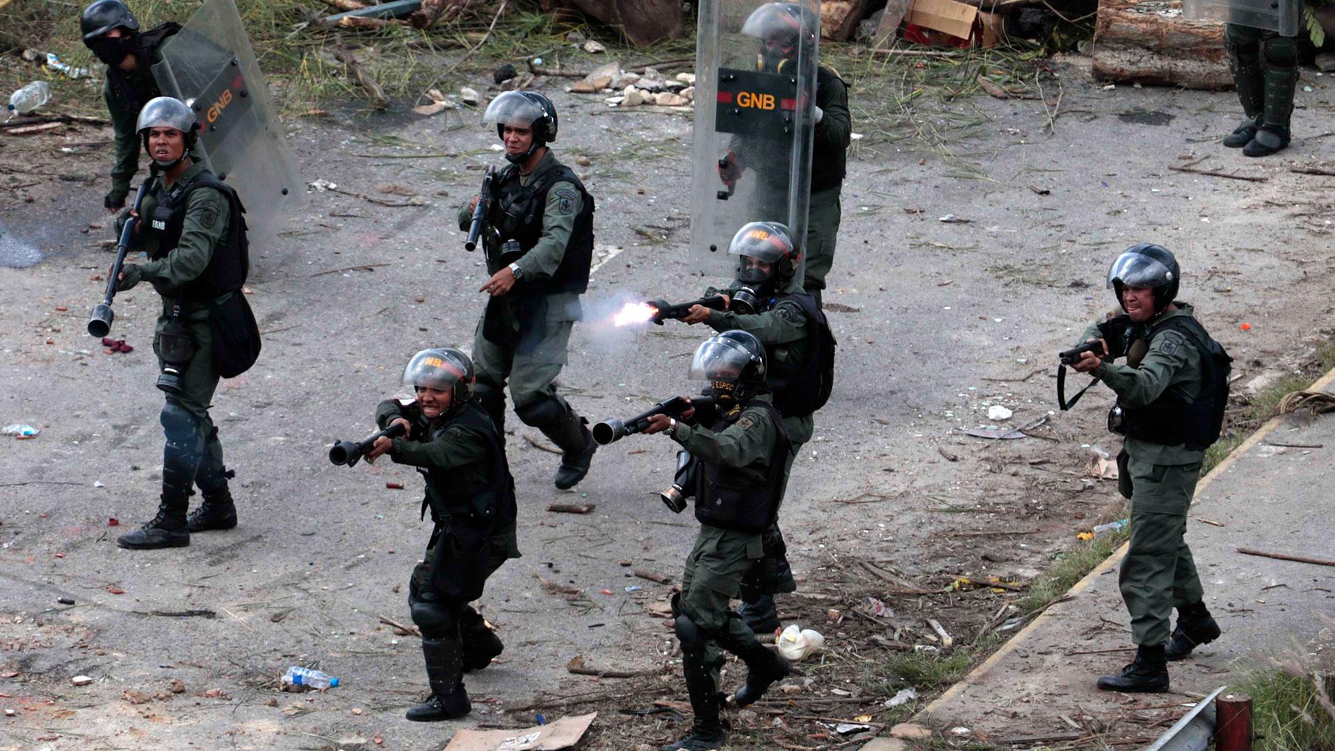 La represión del régimen de Maduro es cada vez mayor (Reuters)