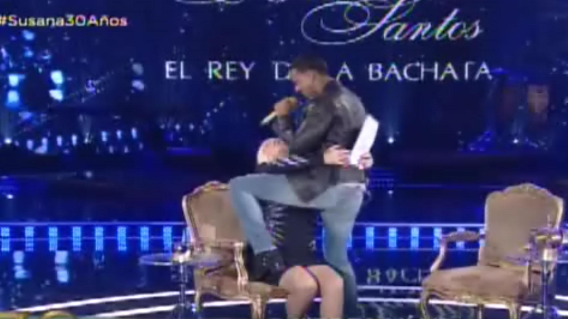 Romeo Santos le hizo un baile sexy a Susana