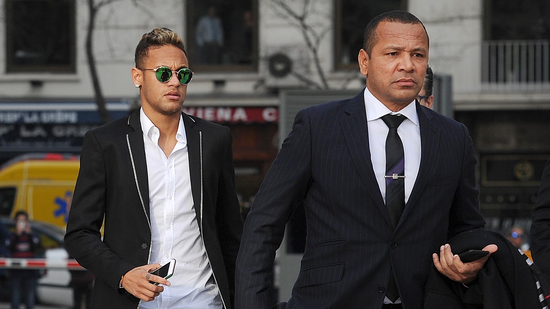 El padre de Neymar motivó el fichaje por el Paris Saint Germain (Getty Images)