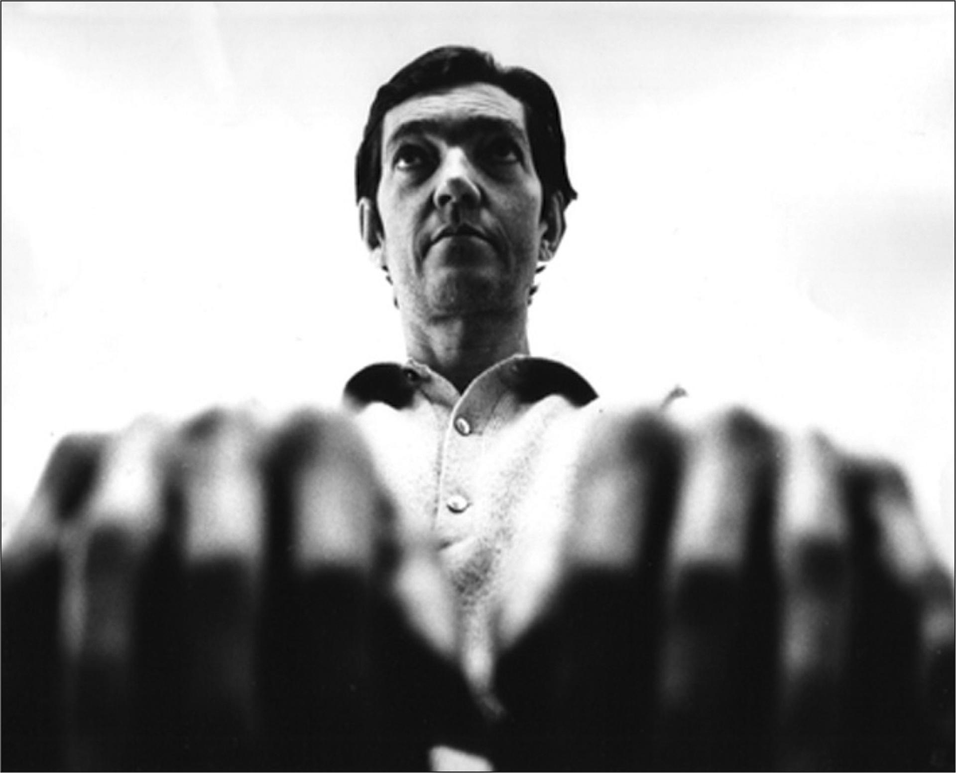 Pocos escritores han influenciado tanto a su generación y las generaciones siguientes como Julio Cortázar