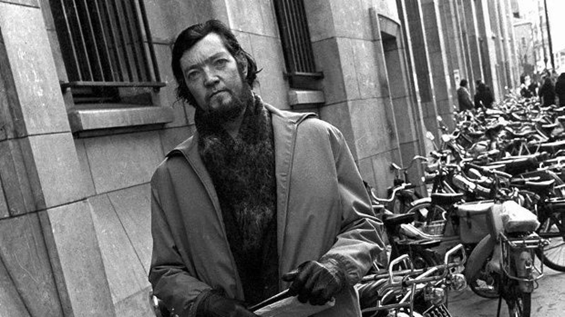 Julio Cortázar era todo un flâneur: un paseante callejero que gustaba recorrer las ciudades