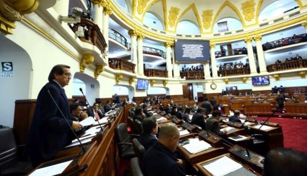 El congresista aprista Jorge del Castillo fue quien presentó la moción (Congreso de Perú)