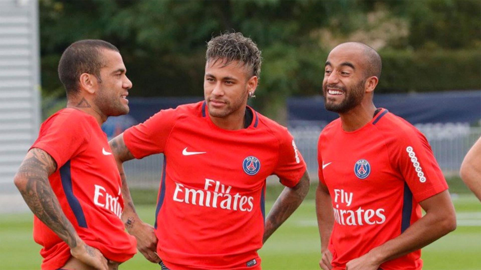 Neymar compartió el primer entrenamiento con el PSG