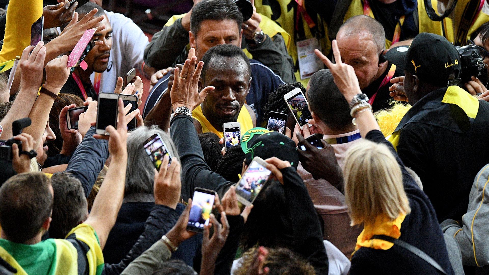 Todos los fanáticos buscan una foto de Bolt en su última vez