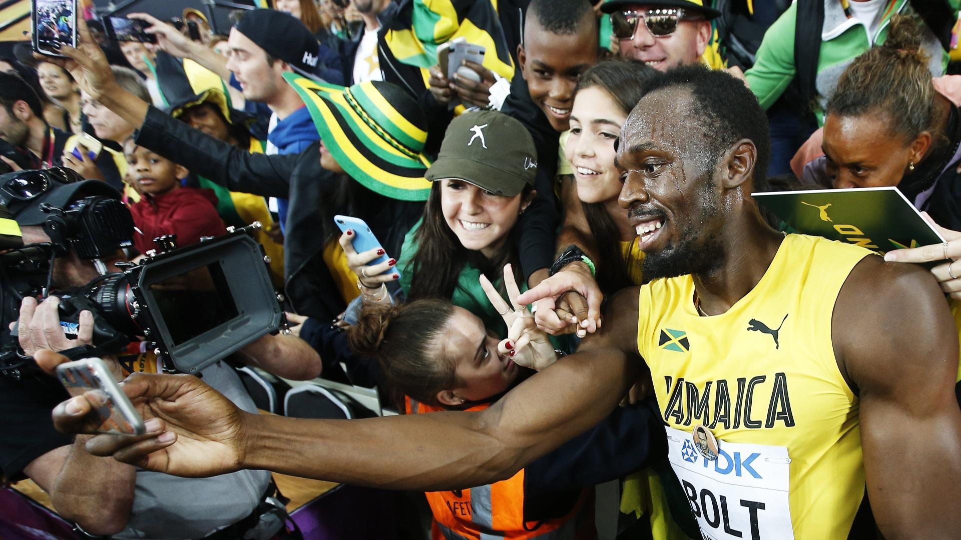 La selfie de Bolt con sus fanáticos