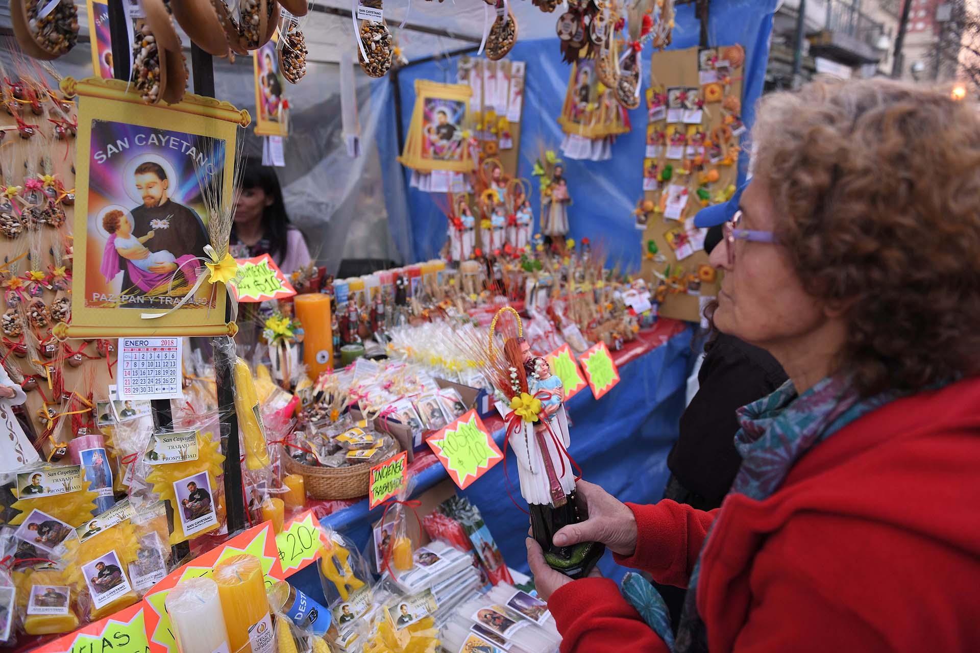 Los devotos de San Cayetano aguardan desde hace semanas para participar de esta fiesta religiosa.