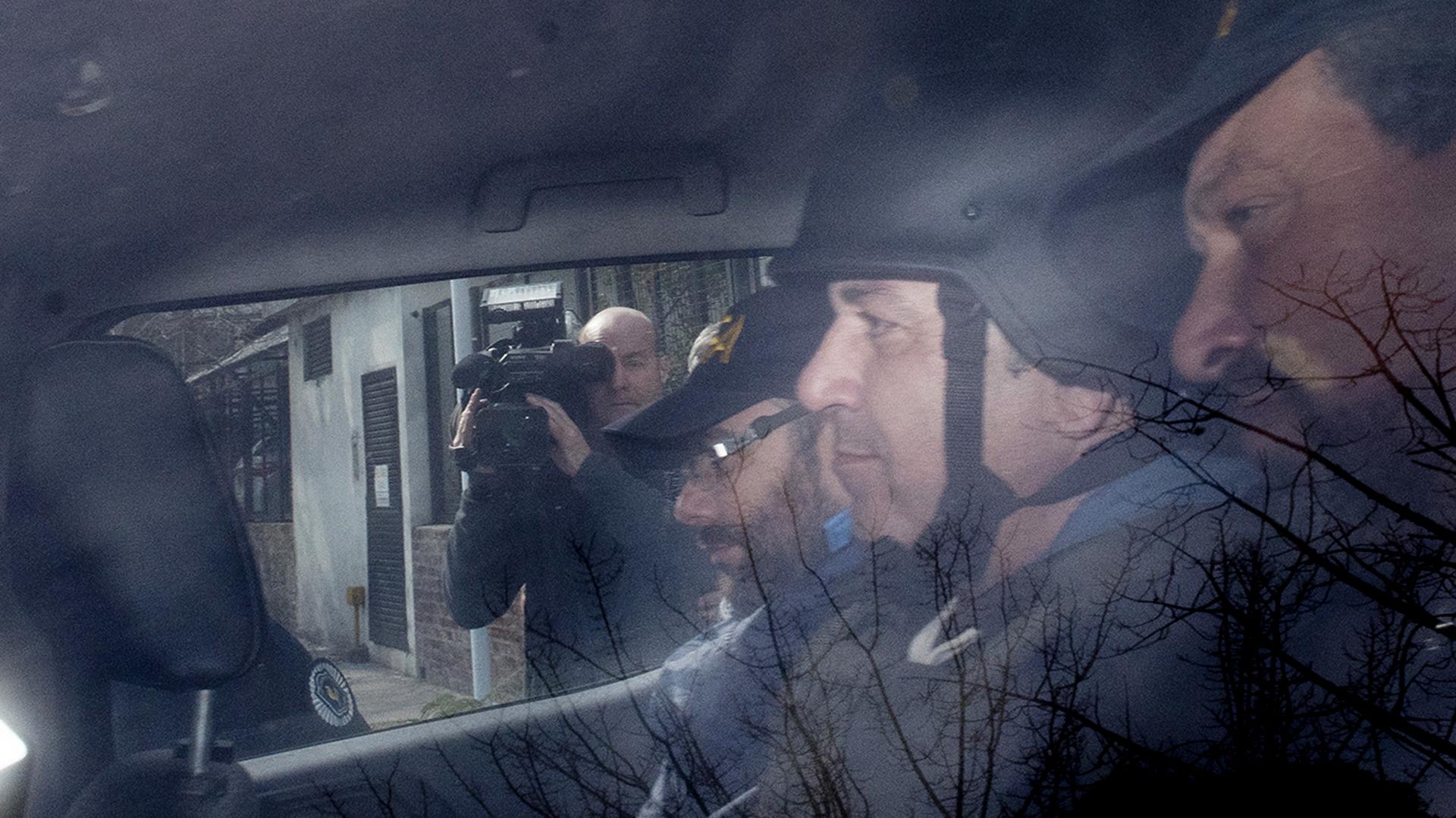 """Claudio """"Mono"""" Minnicelli se negó a declarar en Tribunales y quedará detenido hasta el miércoles en Lugano. El cuñado de Julio De Vido se presentó ante el juez federal Marcelo Aguinsky pero evitó responder preguntas"""