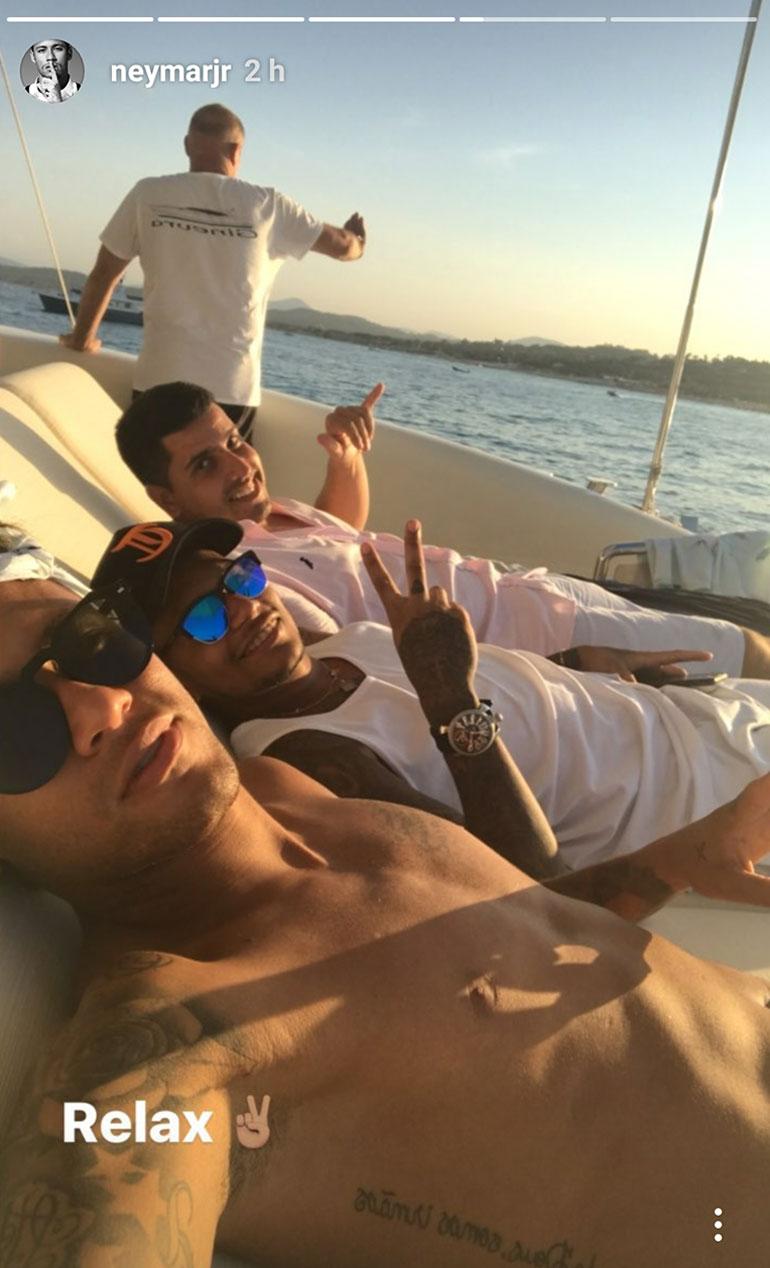 Neymar estuvo en Saint-Tropez horas después de confirmarse su traspaso al PSG