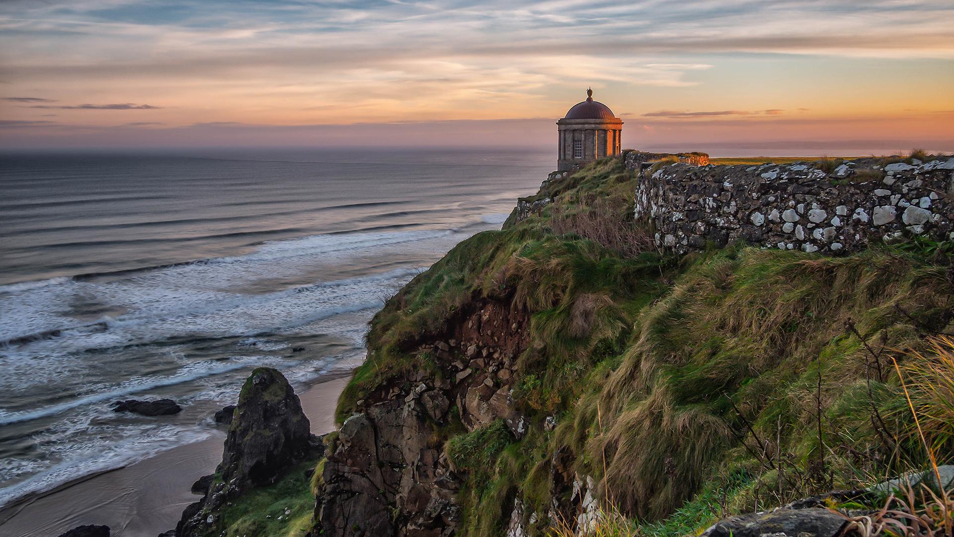 """El Templo de Mussenden en Irlanda del Norte se ha convertido en una atracción turística tras ser visto en temporadas anteriores deGame of Thrones como hogar del """"único rey verdadero"""", Stannis Baratheon"""