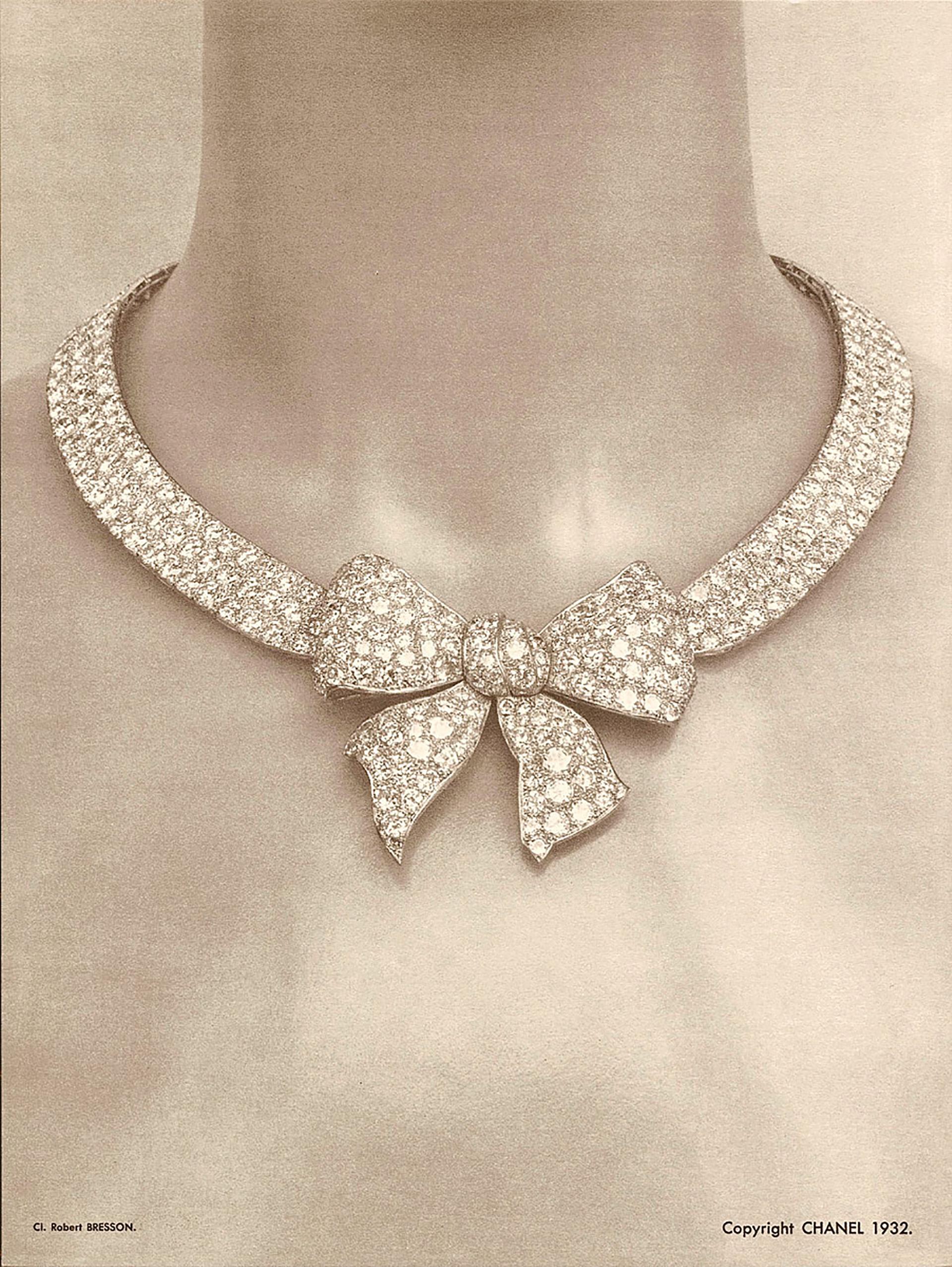 """Conceptualizó y diseñó su primera colección de joyería de gama alta, bautizada como """"Bijoux de Diamants"""" en 1932"""