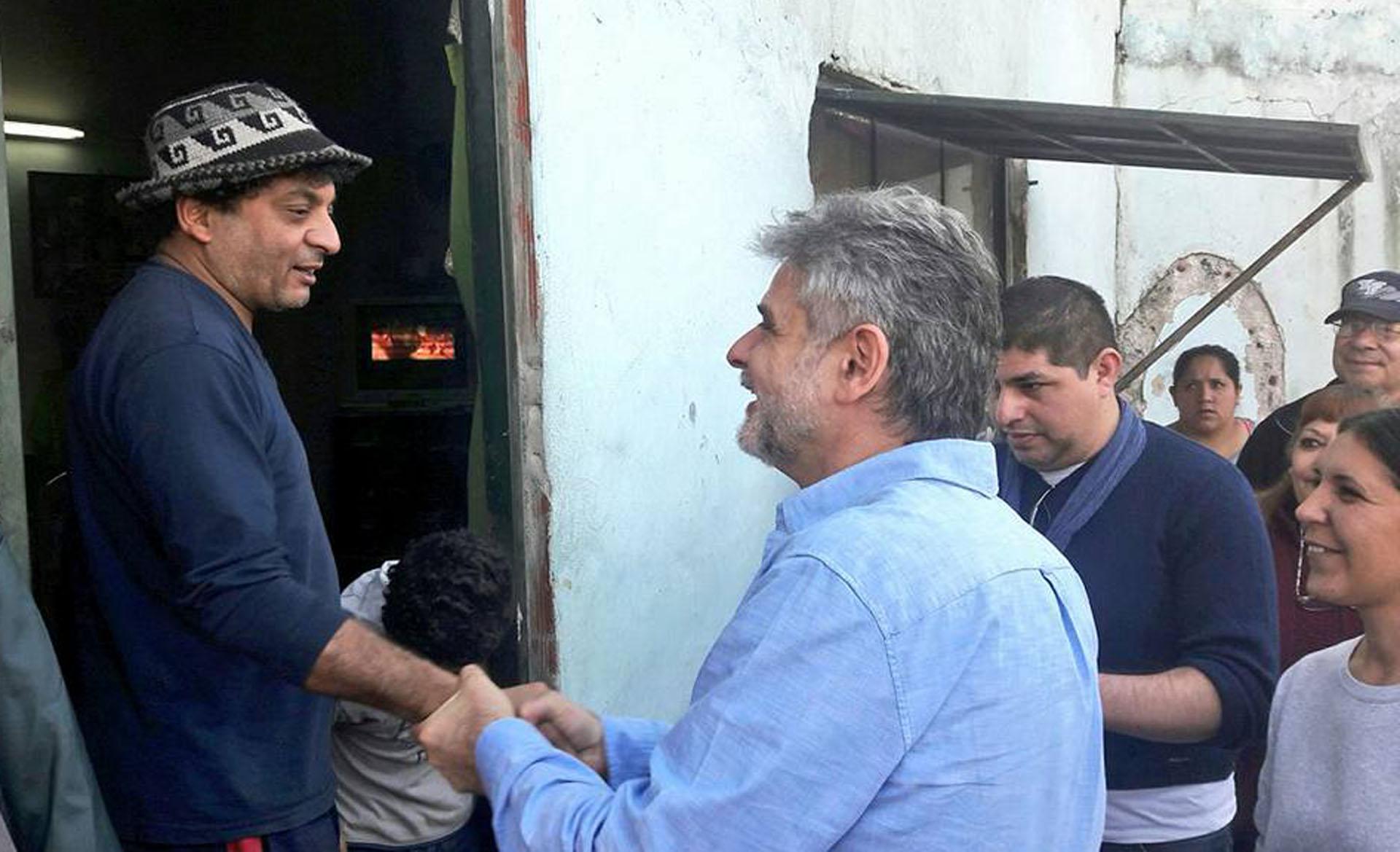 Daniel Filmus, precandidato a diputado nacional en la ciudad de Buenos Aires por el frente Unidad Porteña, siguió la misma línea que los otros políticos en cuánto al estilo y la paleta de colores