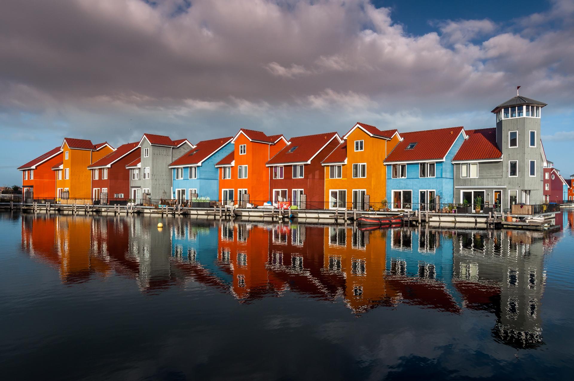 Es una metrópolis ubicada al norte de los Países Bajos. Combina lo antiguo con lo moderno, lo pequeño con lo extremo (iStock)