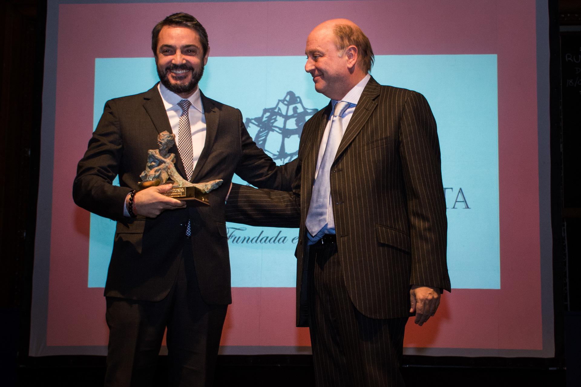 Bodega Catena Zapata fue elegida Mejor Empresa de Bebidas. El premio fue recibido por su CEO, Gastón Pérez Izquierdo, y entregado por el empresario Martín Cabrales
