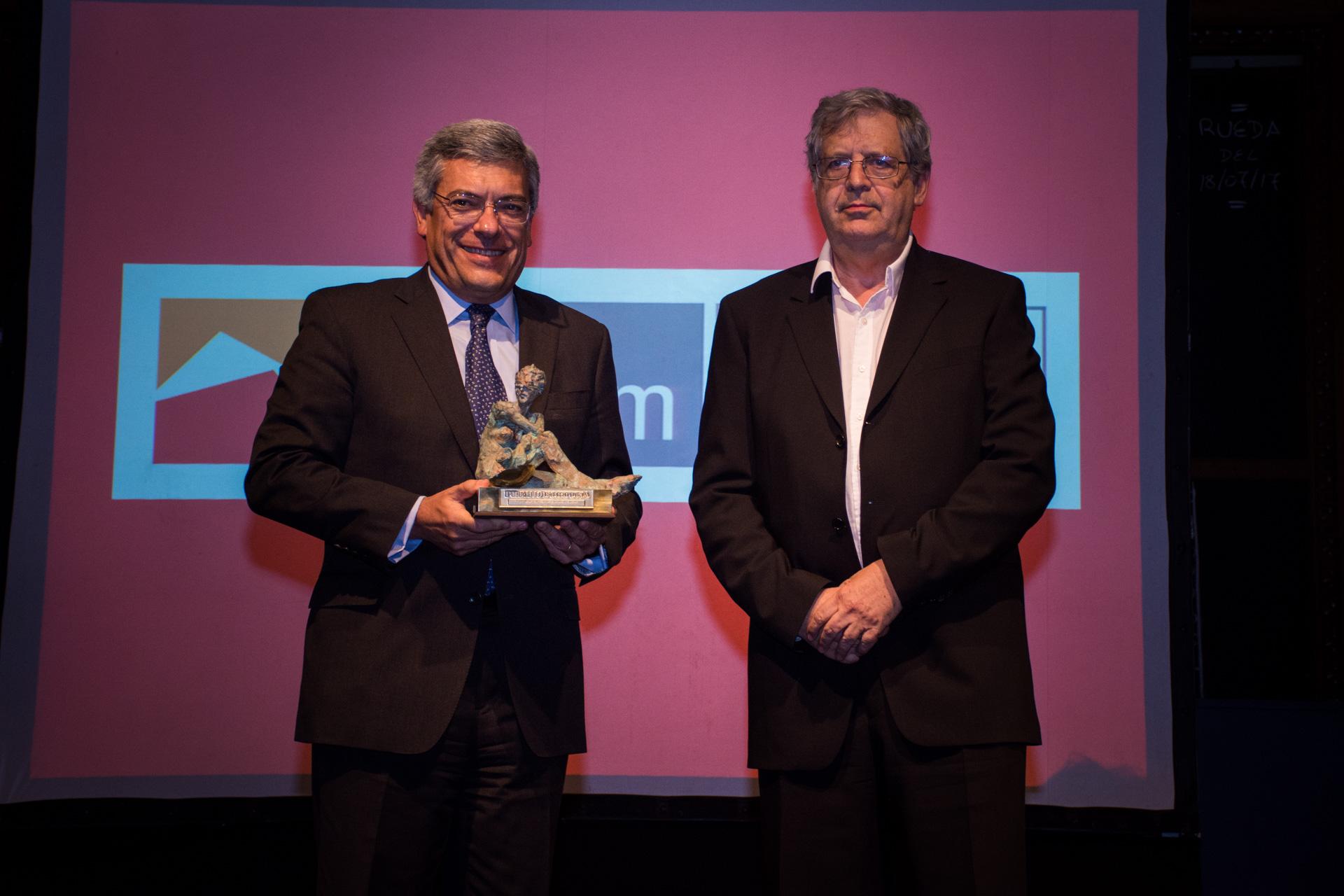Mejor Empresa Siderúrgica: Ternium Siderar. El premio fue recibido por su director general, Martín Berardi