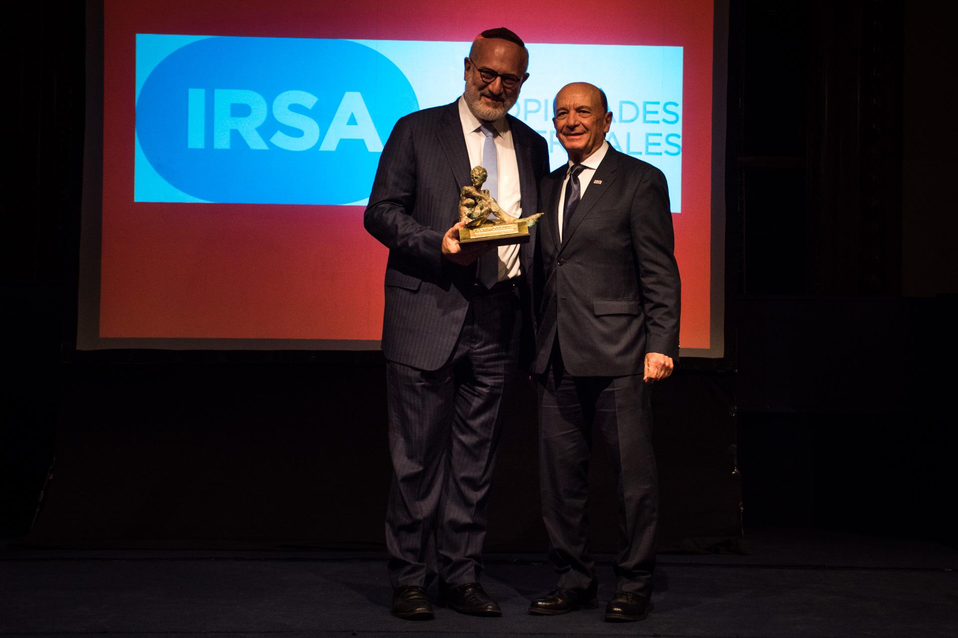 IRSA Propiedades Comerciales ganó el premio Mejor Empresa de Real Estate. Recibió el presidente del Grupo IRSA, Eduardo Elsztain, de manos del presidente de Coto, Alfredo Coto