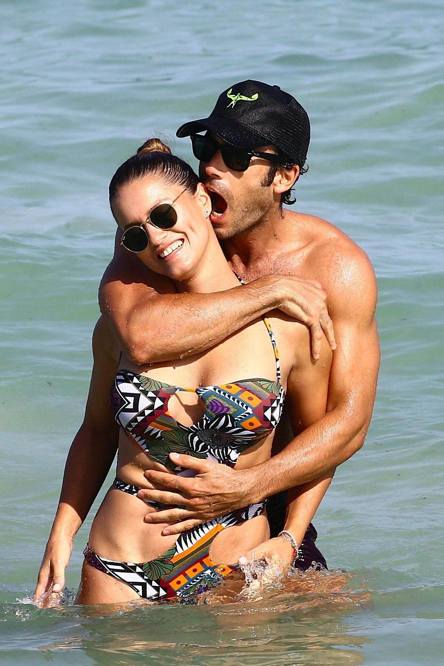 Lola Ponce y su marido Aaron Díaz, muy apasionados en las playas de Miami (Grosby Group)