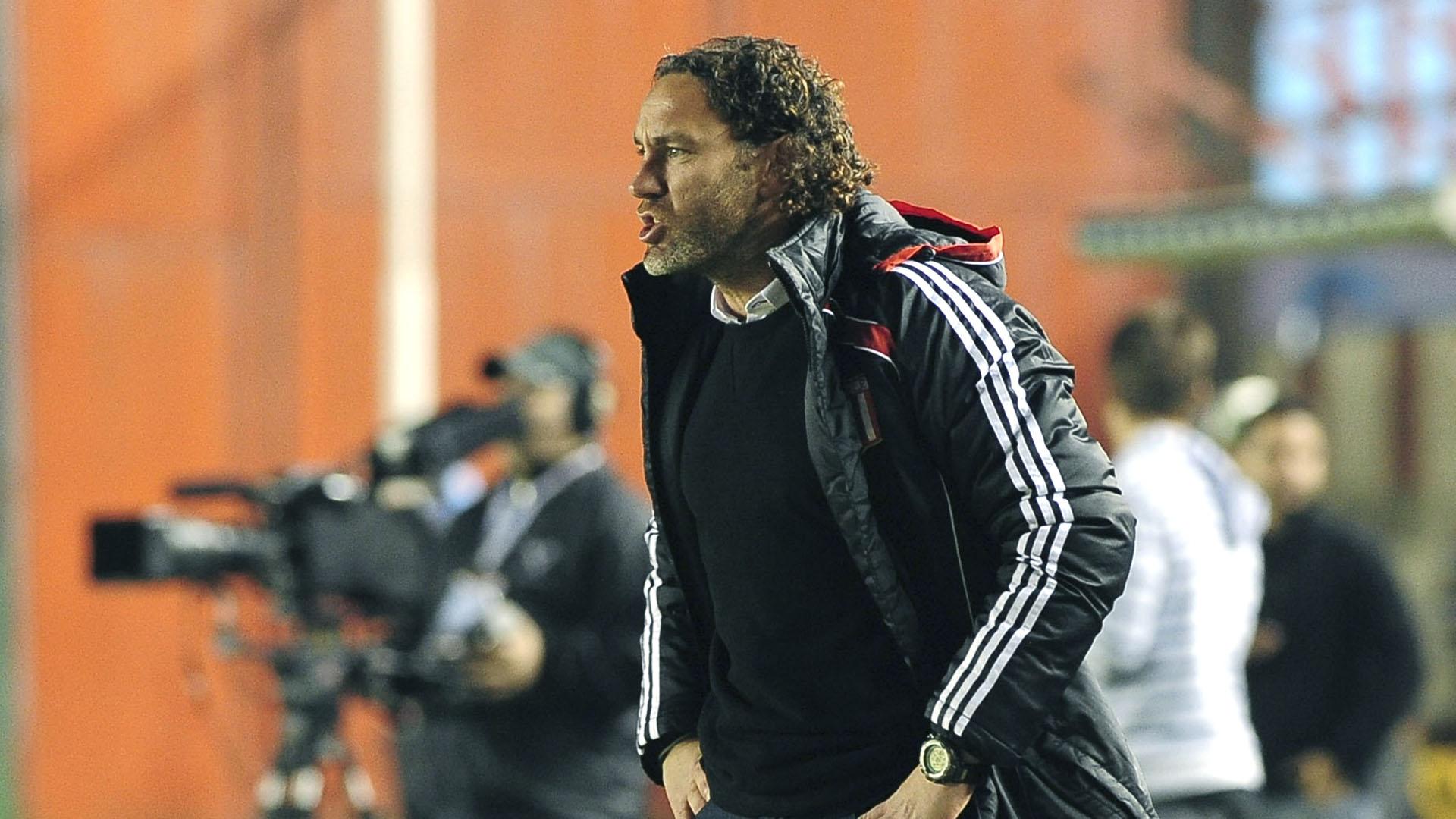 Milito debutó como entrenador en Estudiantes de La Plata (NA)