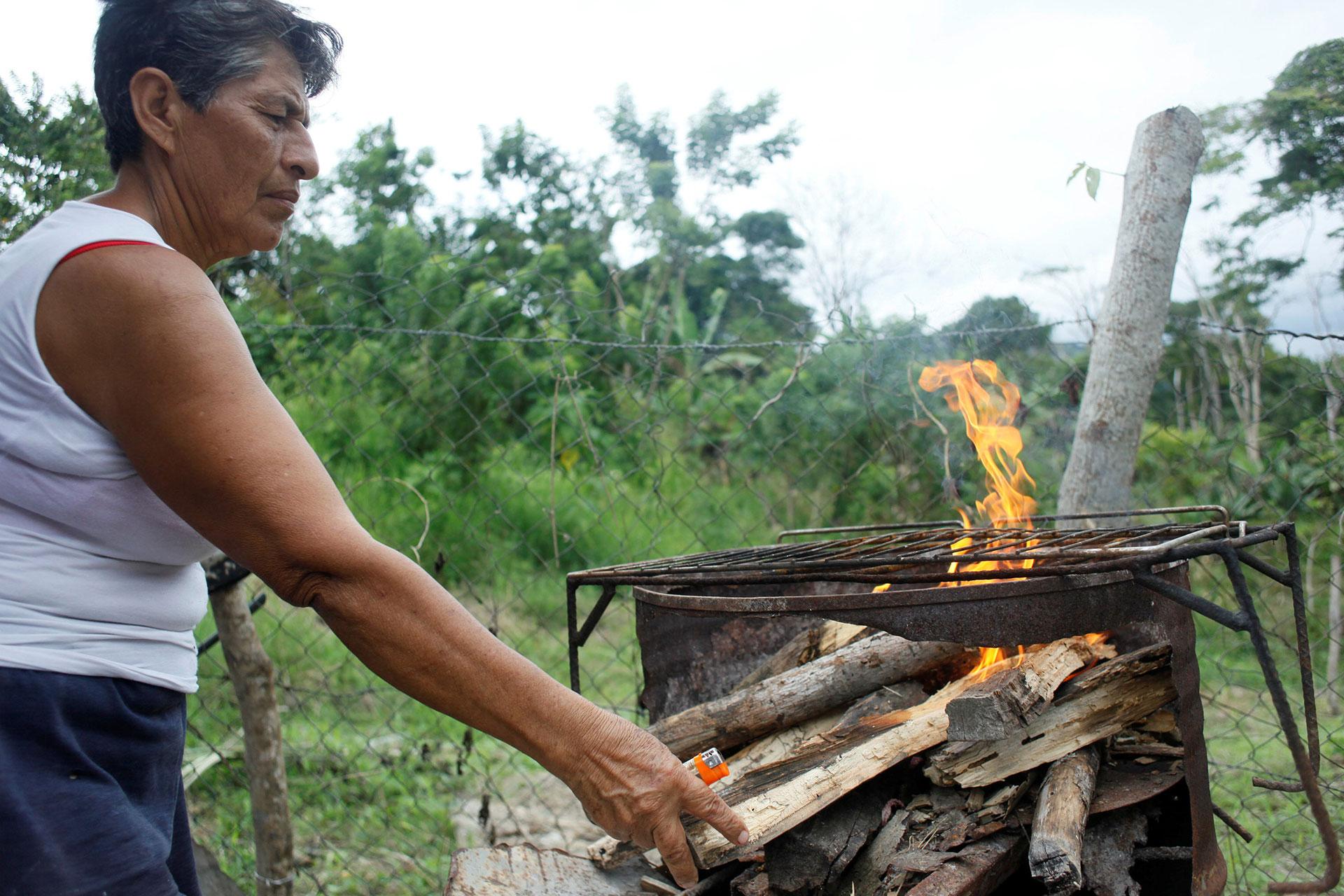 En la localidad sureña de San Félix encontrar una garrafa de gas se ha hecho cada vez más difícil (Reuters)