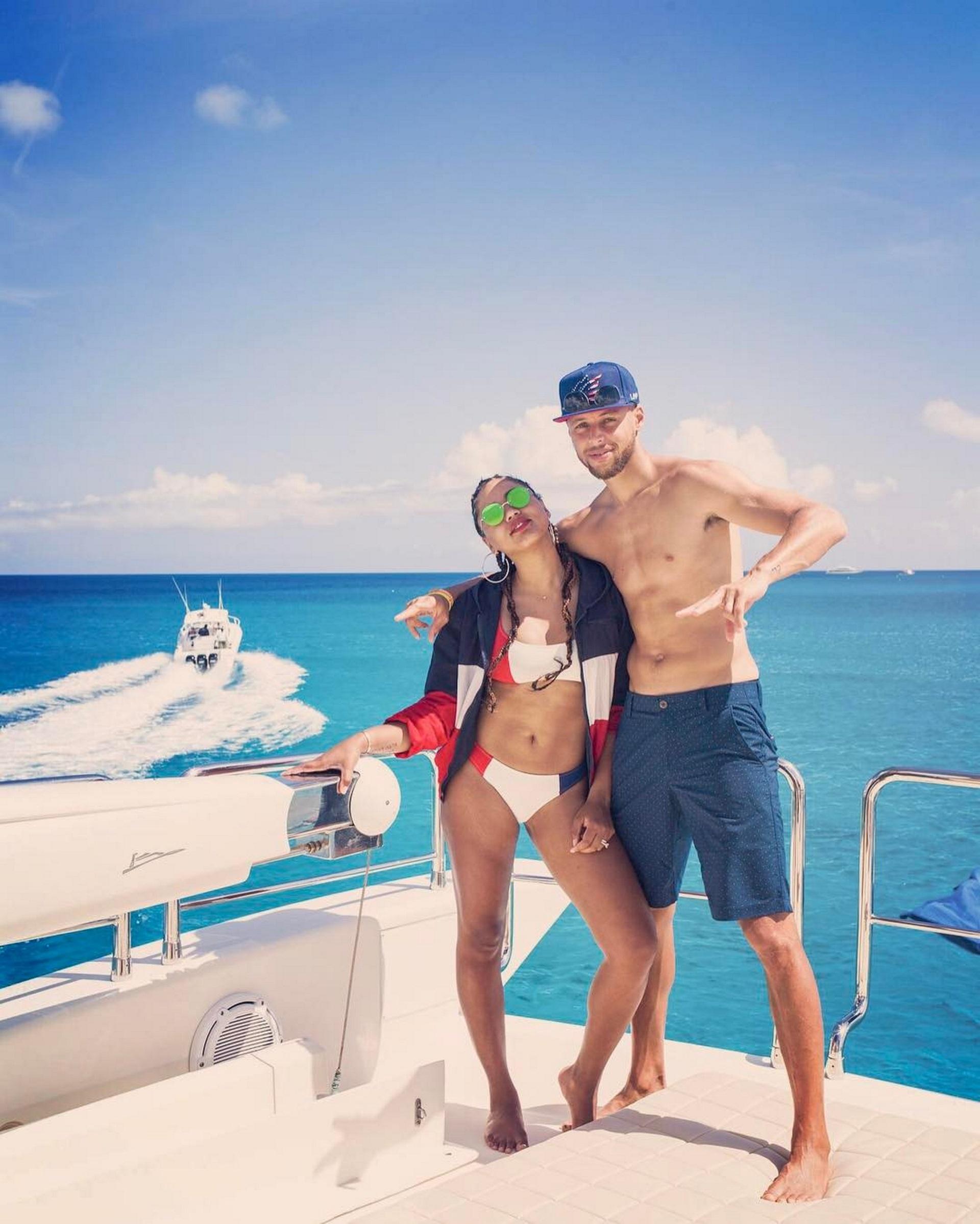 Stephen Curry y su mujer, Ayesha, eligieron pasear en yate por el caribe