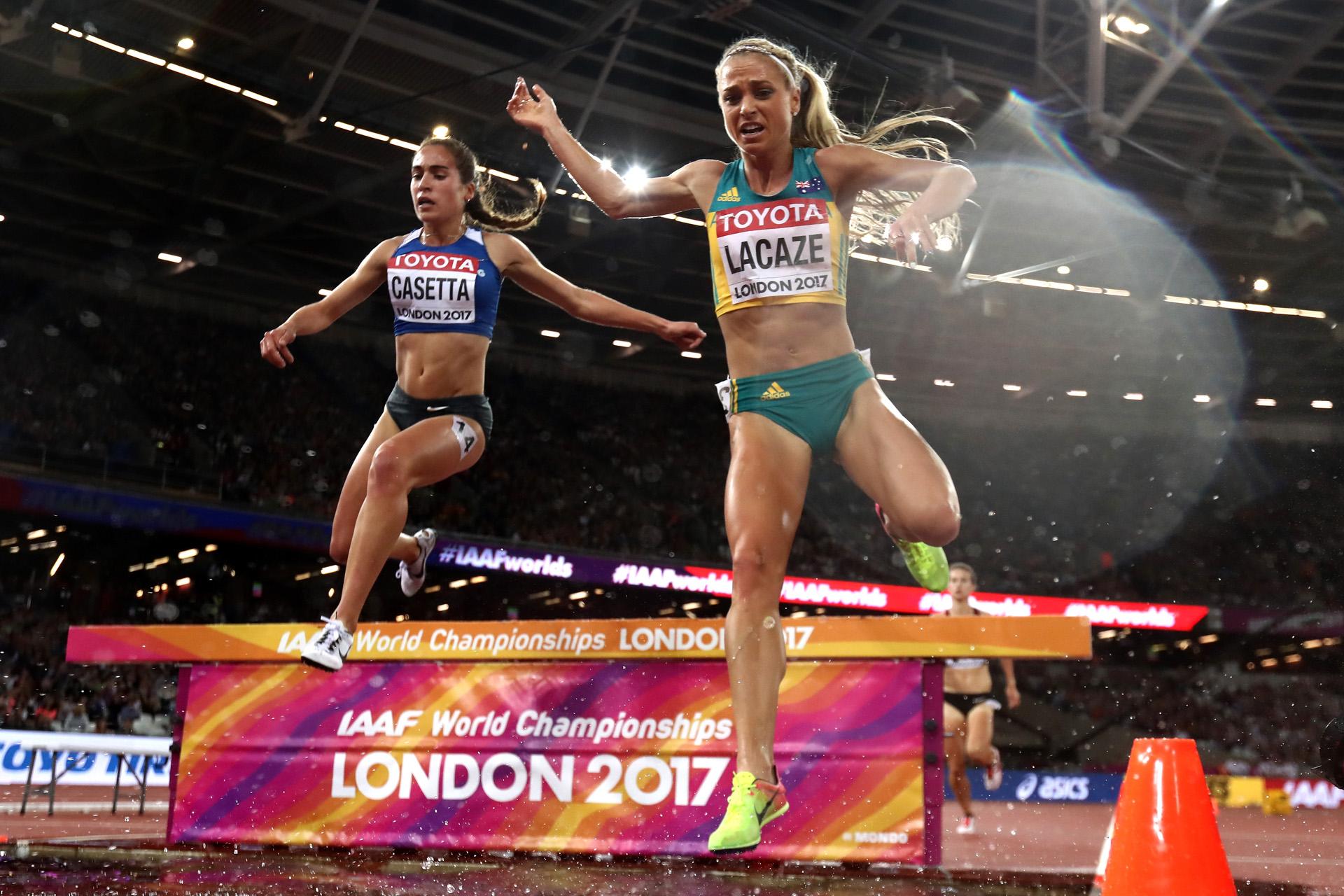 Belén Casetta volvió a hacer historia. La atleta argentina volvió a romper el récord sudamericano en la prueba de 3.000 metros con obstáculos. Con un tiempo de 9:25.99, la corredora se ubicó en la 11ª posición en la final del Mundial de Londres