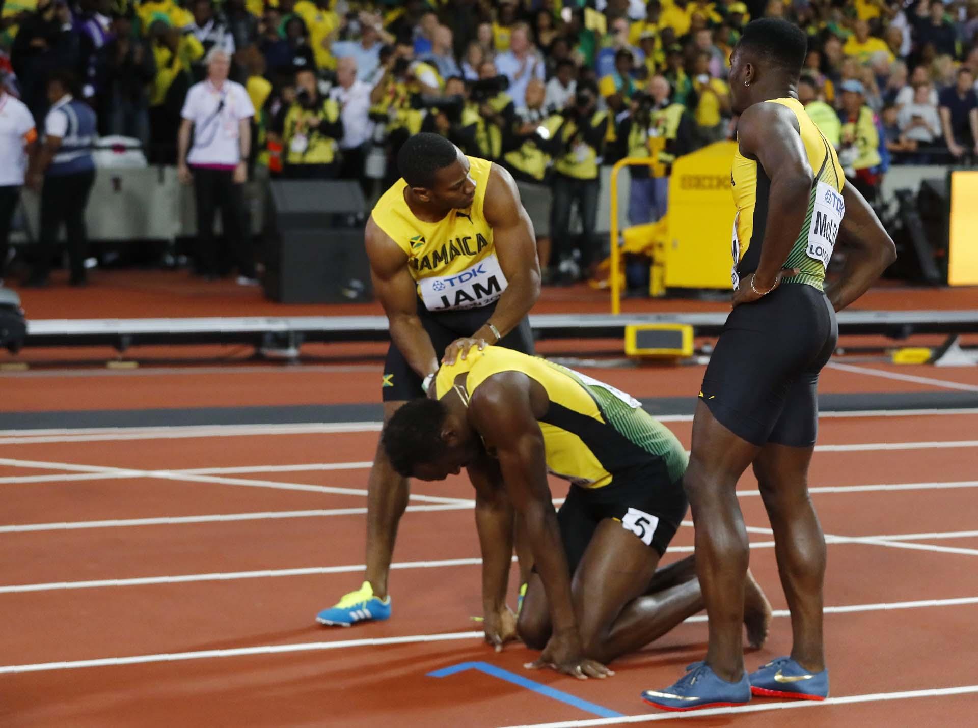 Blake y McLeod acompañan a Bolt; nadie entiende lo sucedido
