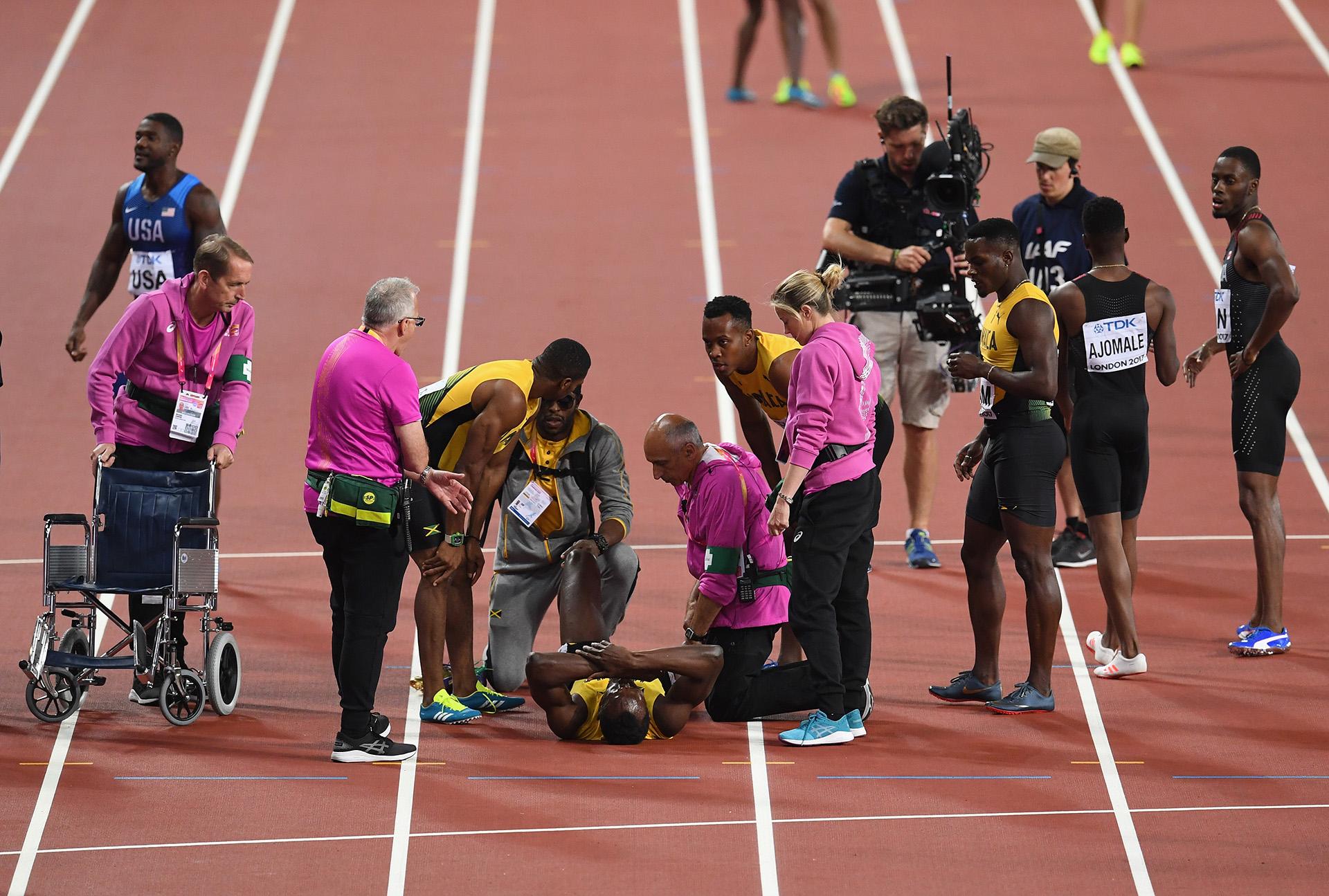 El equipo médico acude rápidamente para ayudar a Bolt