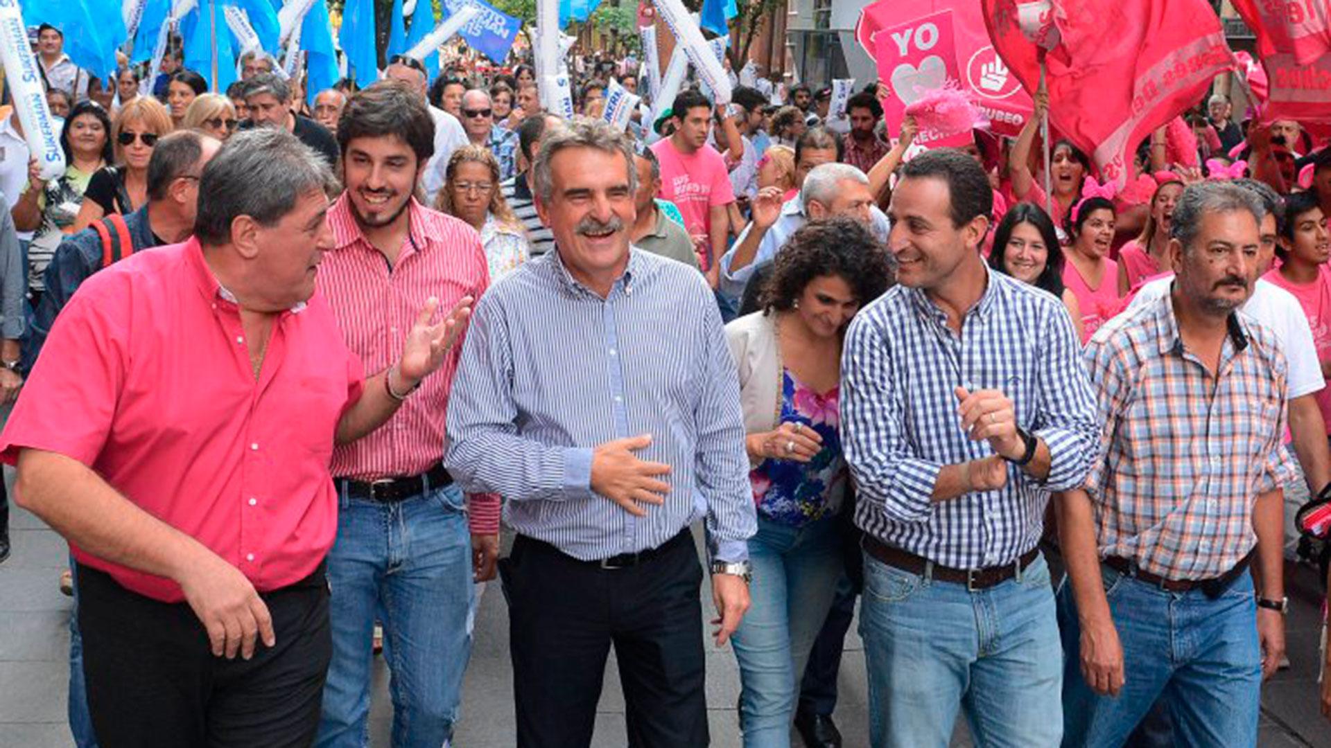 El precandidato a diputado Agustín Rossi durante la campaña santafesina
