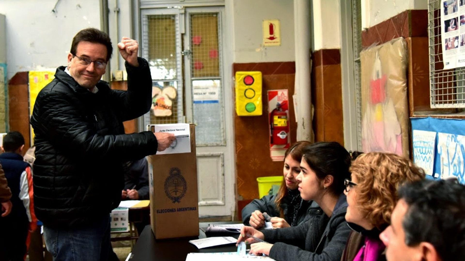 Marcelo Ramal, primer candidato a diputado por la ciudad del Frente de Izquierda