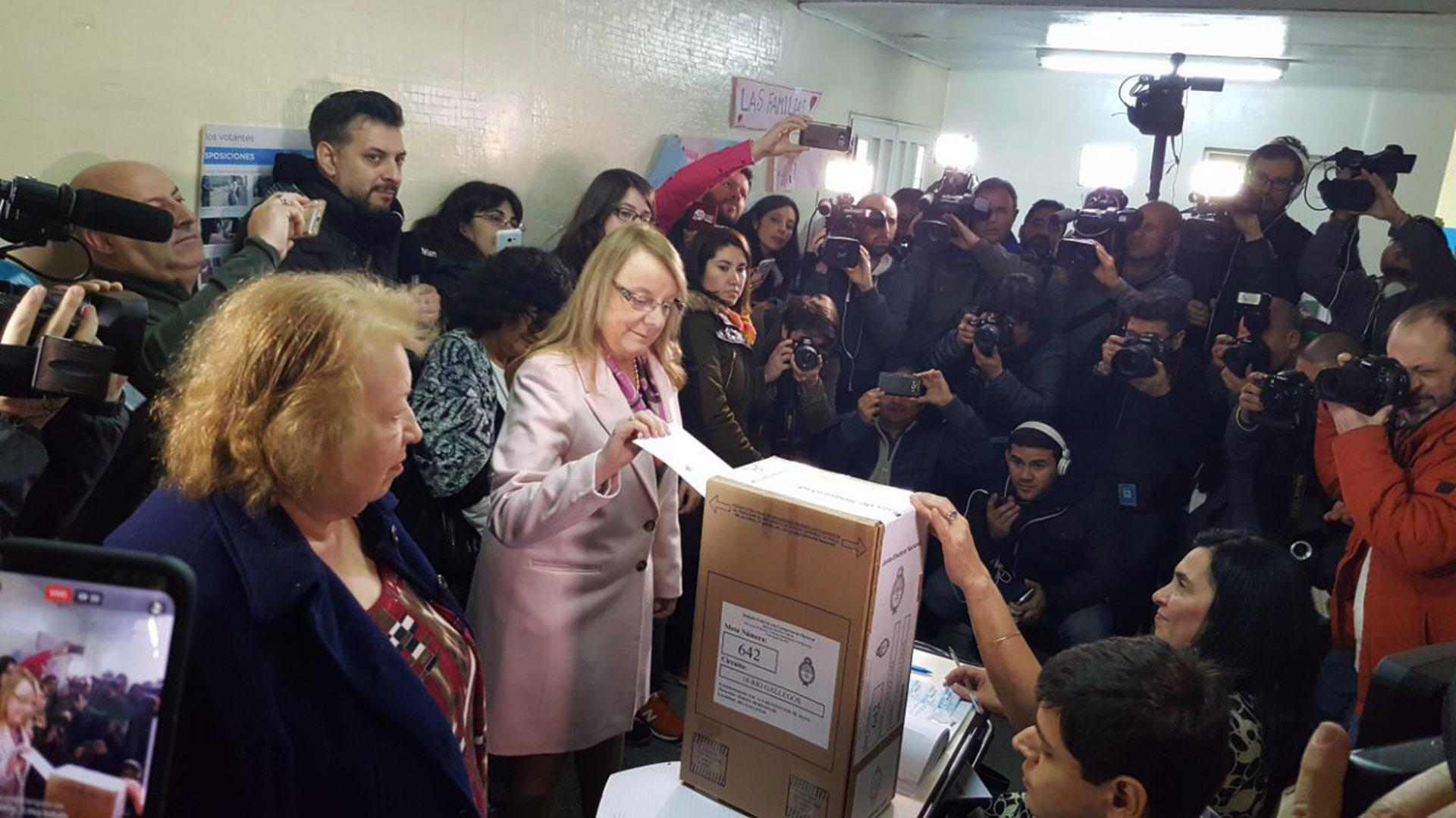 Alicia Kirchner votó en Santa Cruz
