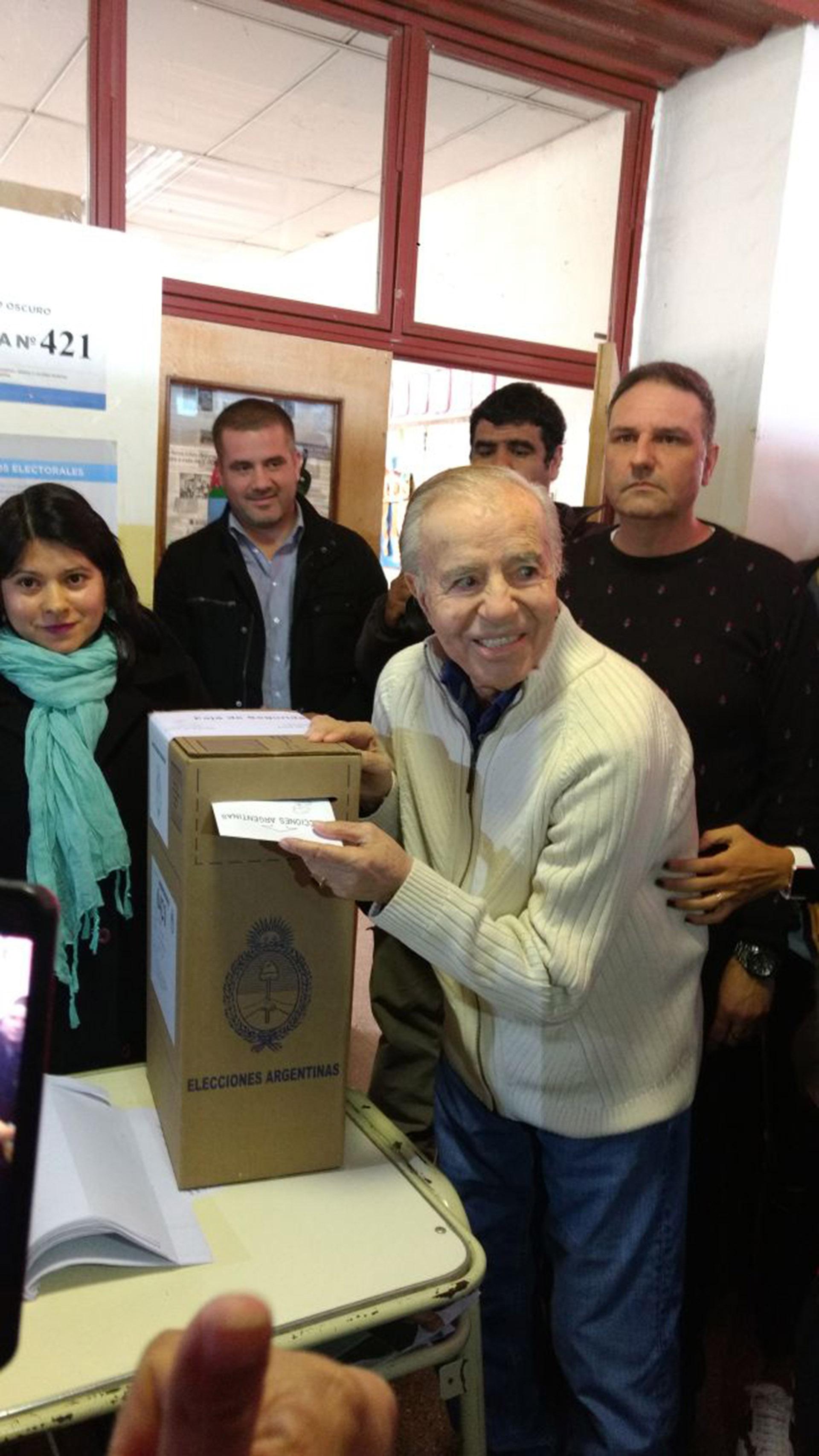 Carlos Menem votó en La Rioja