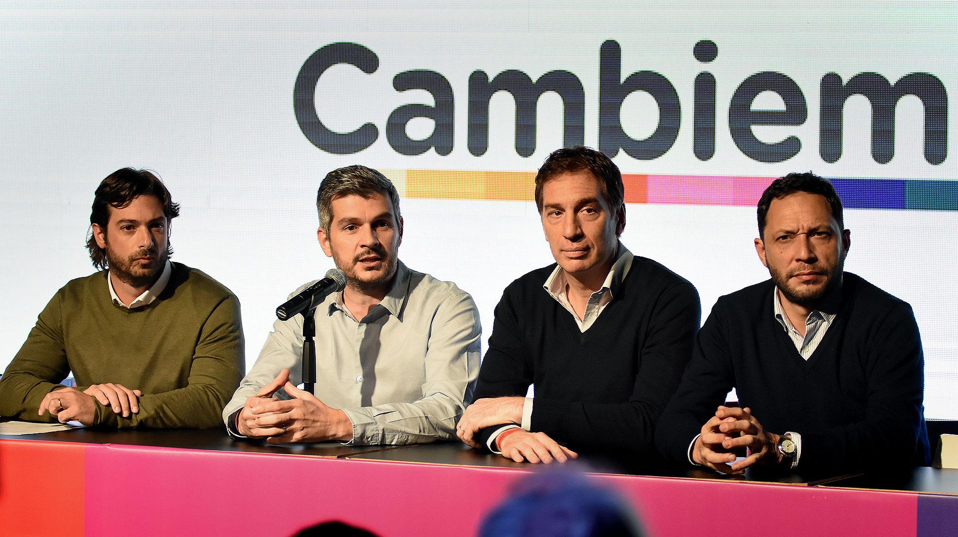 Conferencia de prensa desde el centro de campaña de Cambiemos