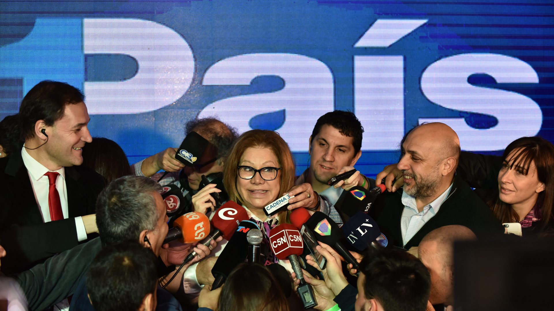 Graciela Camaño desde el centro de campaña de 1País