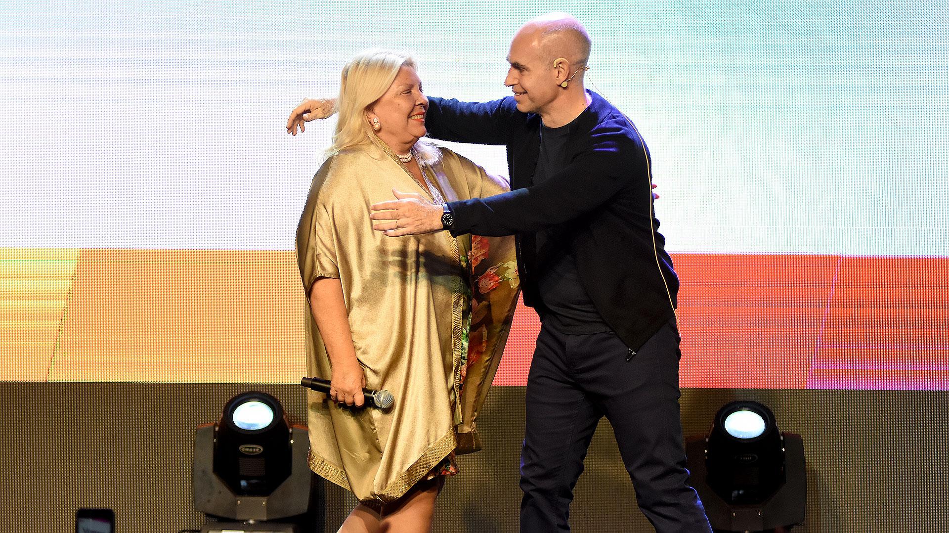 Carrió y Rodríguez Larreta festejaron juntos en el escenario