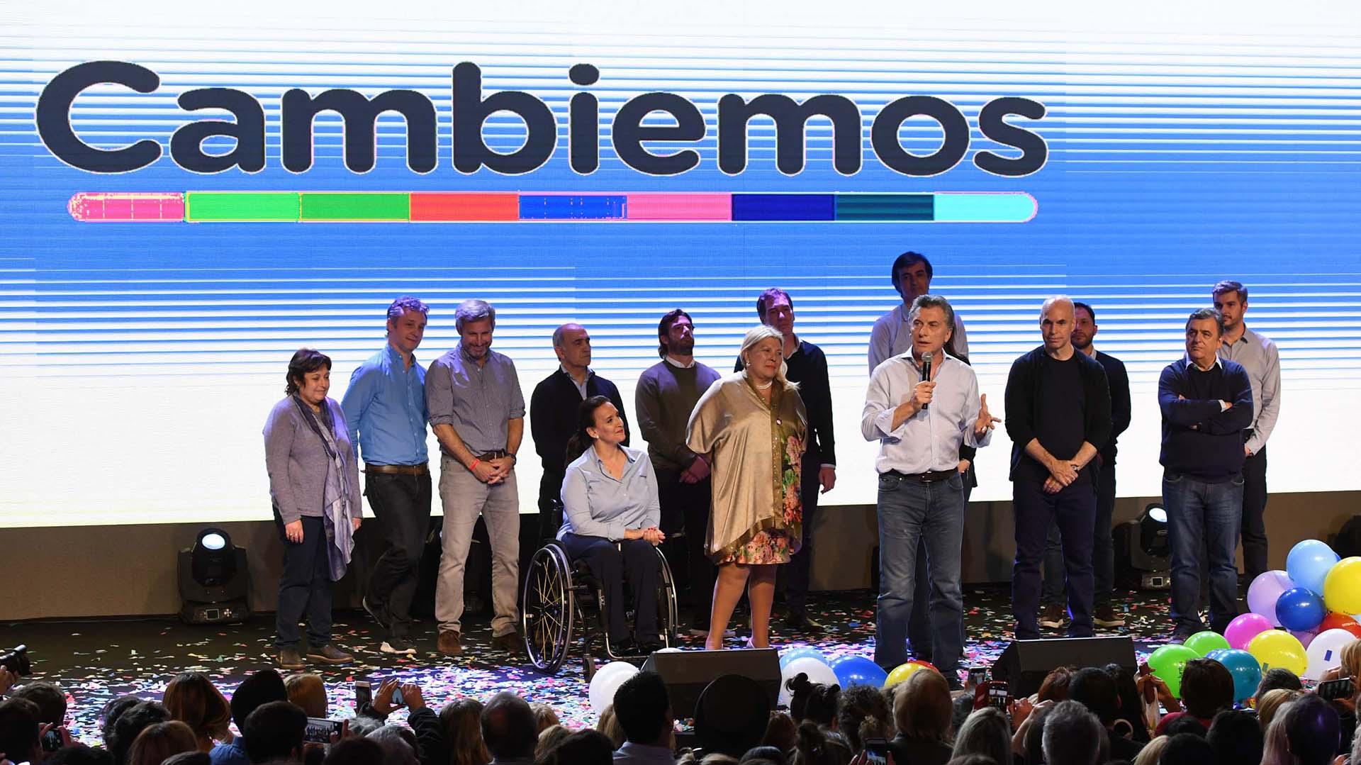 Mauricio Macri celebró rodeado de las principales figuras de Cambiemos