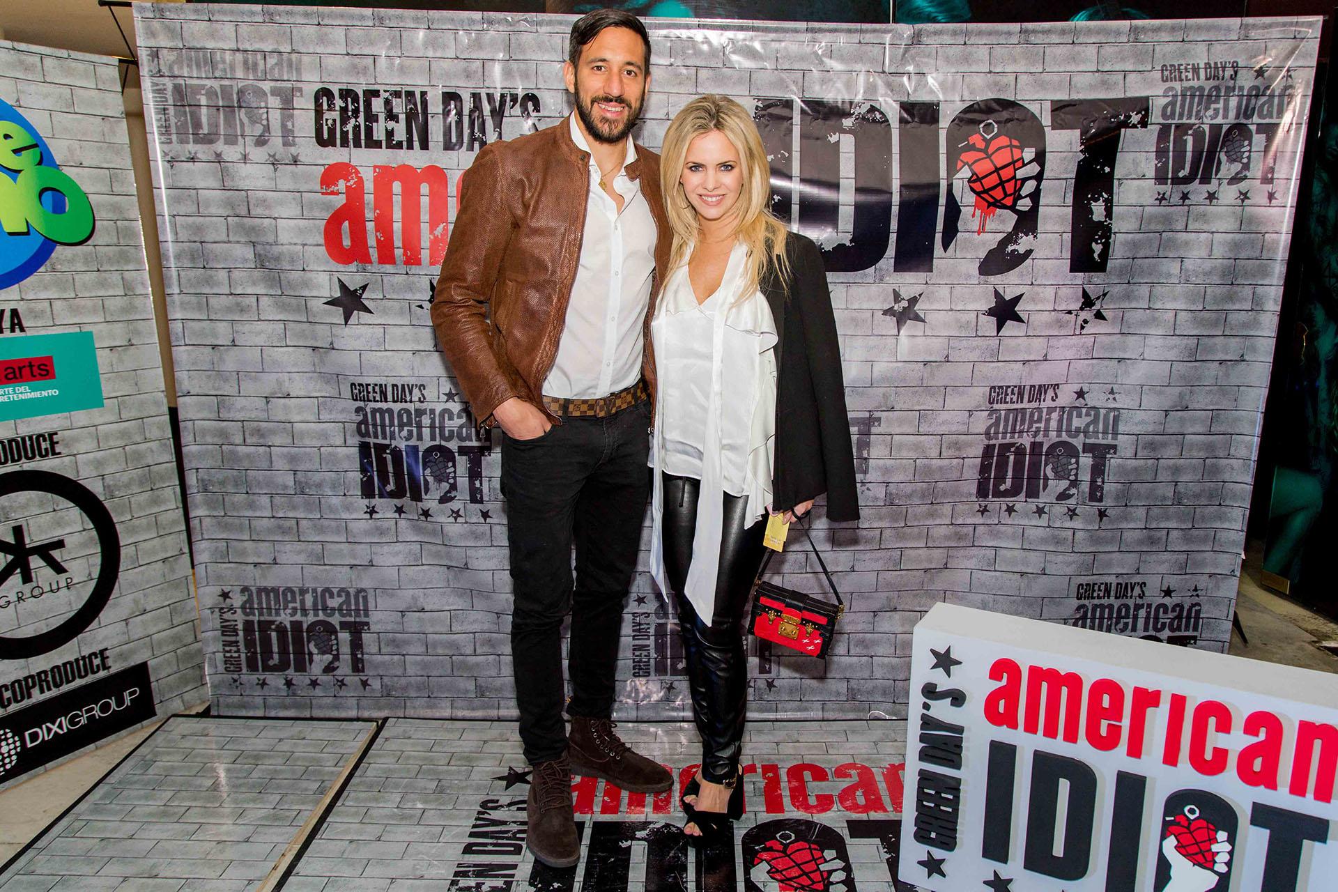 """Jonas Gutiérrez y Alejandra Maglietti en el estreno de """"American Idiot"""", en el Teatro Broadway"""