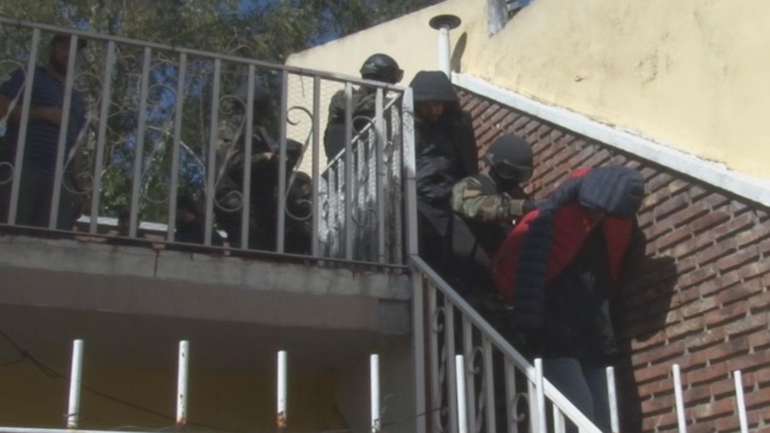 Desbarataron una banda de narcos en Villa Ballester: hay tres detenidos
