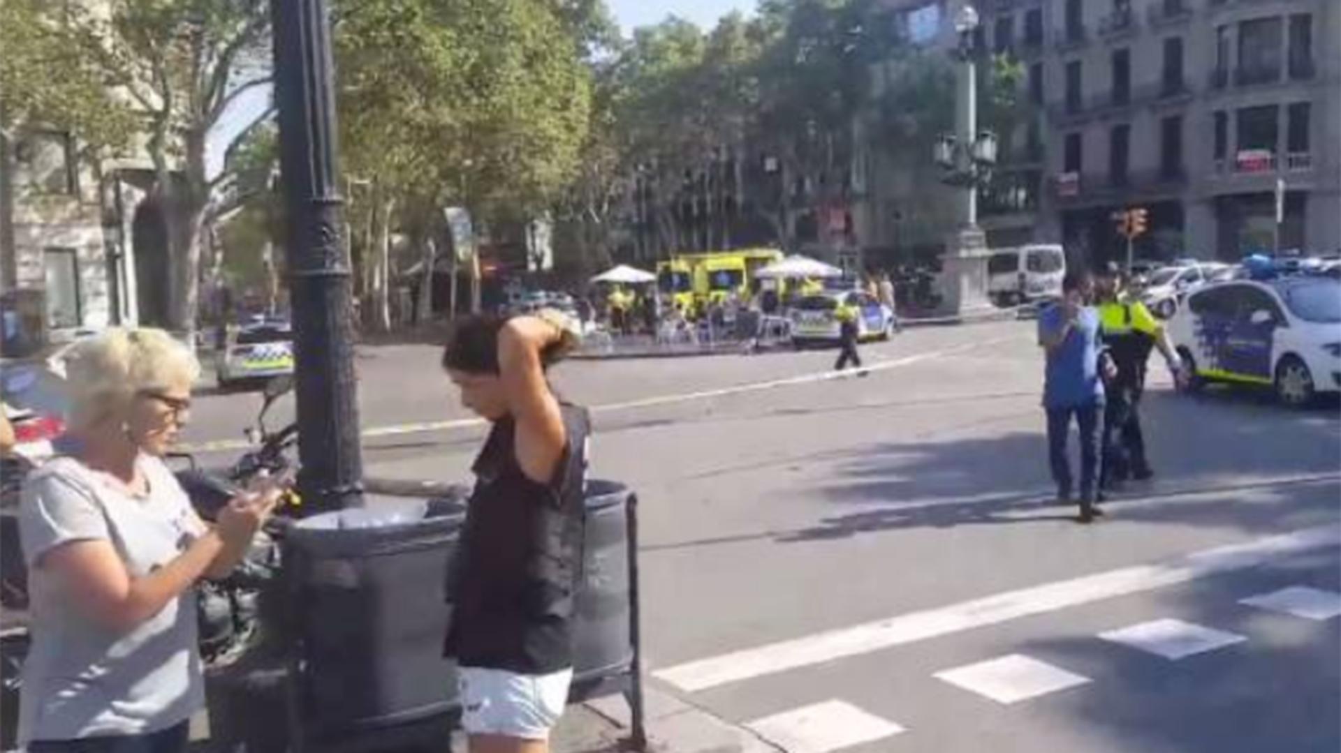 Según El Periódico de Barcelona, hay una veintena de heridos