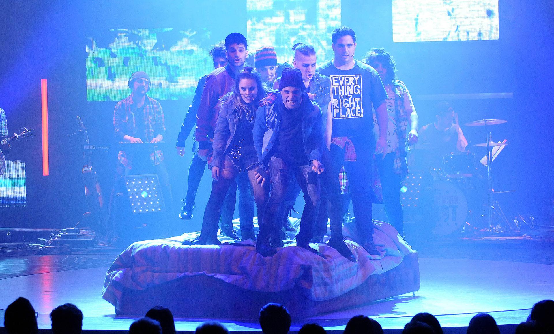 """En el teatro Broadway se estrenó """"American Idiot"""", un musical de rock de Green Day protagonizado por Germán Tripel, Mariu Fernández, Francisco Eizaguirre, Sofía Val y Leandro Bassano (Teleshow)"""