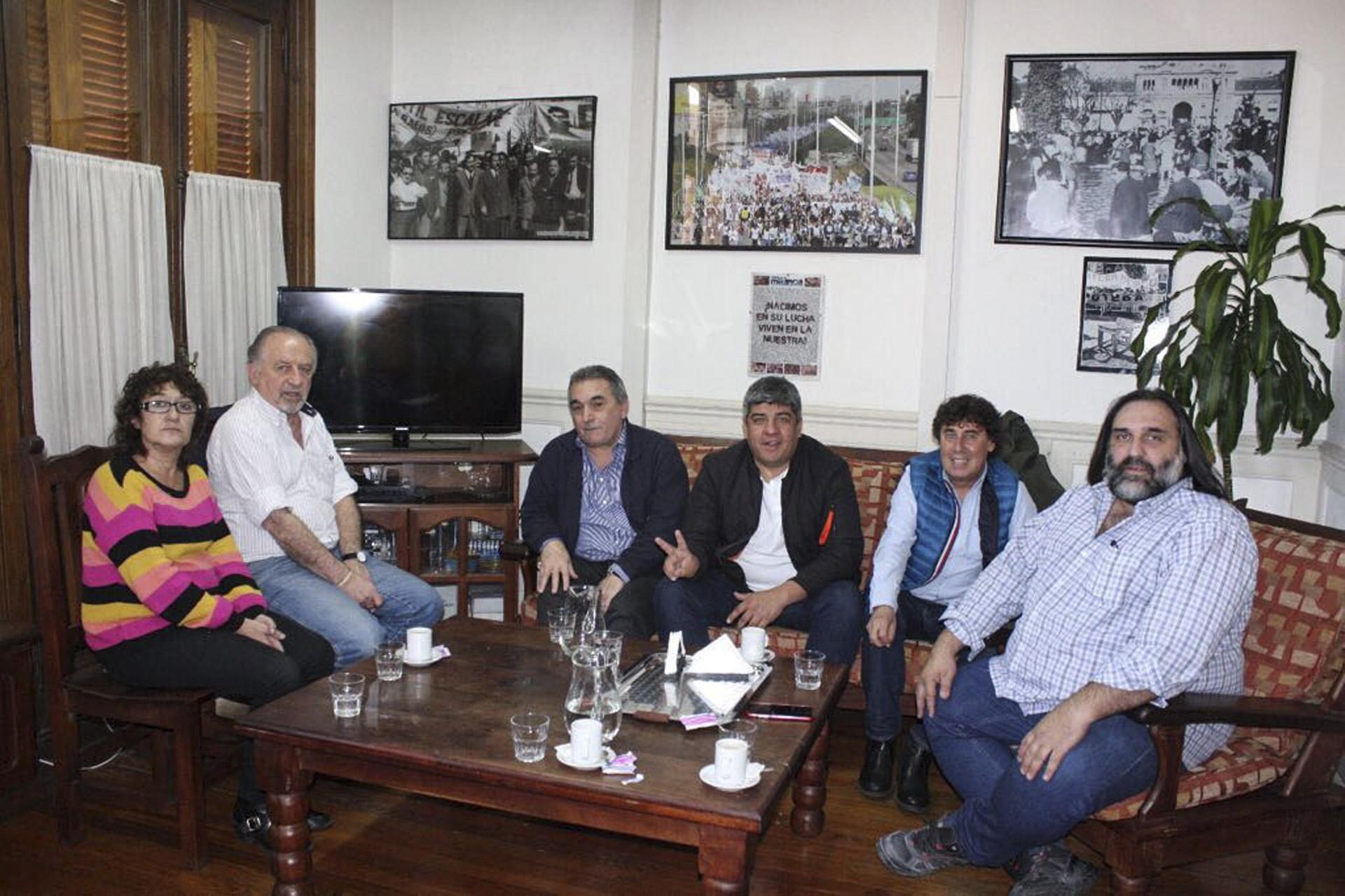 Juan Carlos Schmid, uno de los integrantes del triunvirato de mando de la CGT, y el número dos de los camioneros, Pablo Moyano , junto a los dirigentes de la CTA Pablo Micheli y Hugo Yasky acordaron participar en la marcha del próximo martes