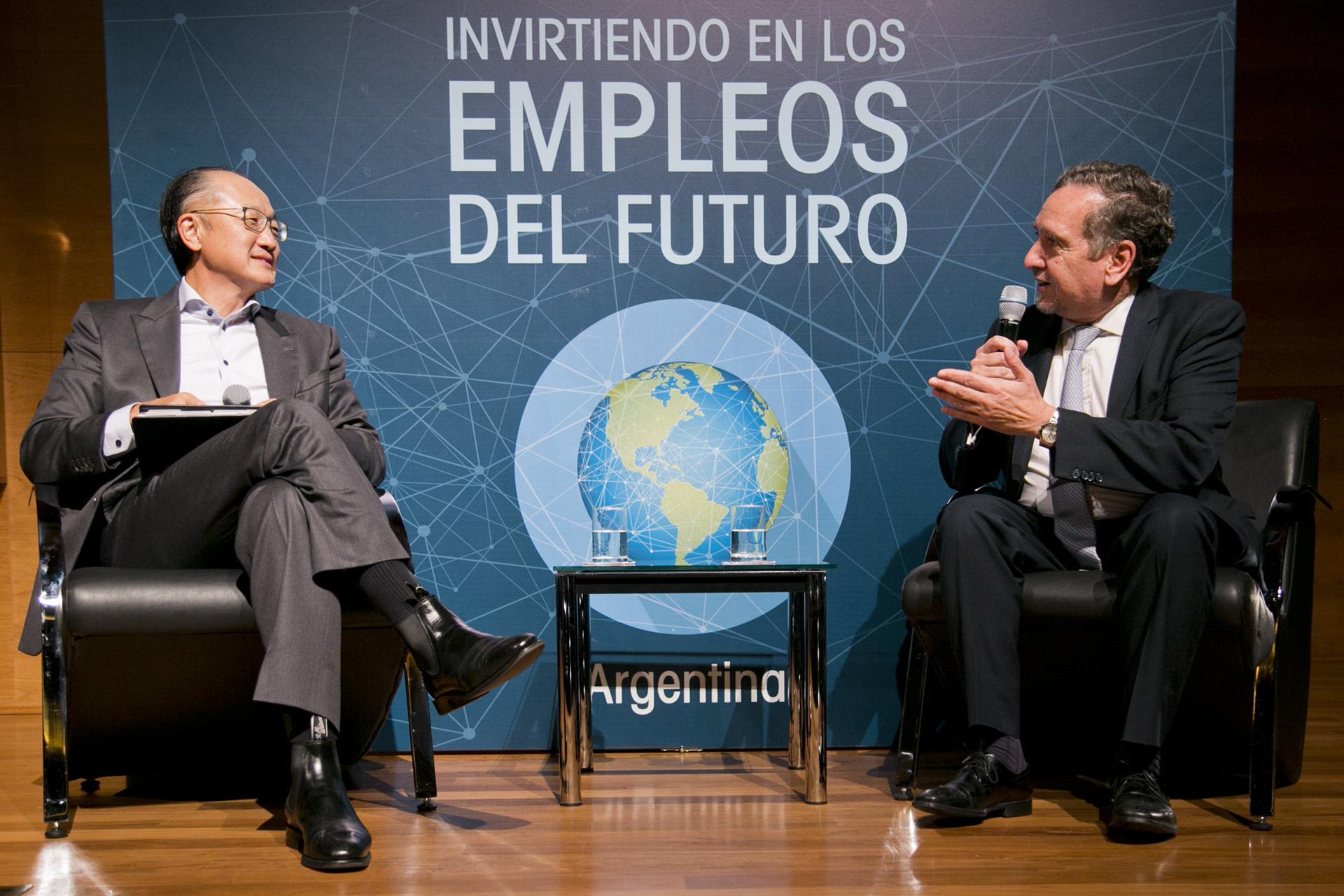 """El presidente del Banco Mundial, Jim Yong Kim, participó del foro """"Invirtiendo en los Empleos del Futuro"""" que reunió a estudiantes, emprendedores y líderes de opinión en el Centro Cultural de la Ciencia (C3), ubicado en el Polo Científico Tecnológico de Palermo"""