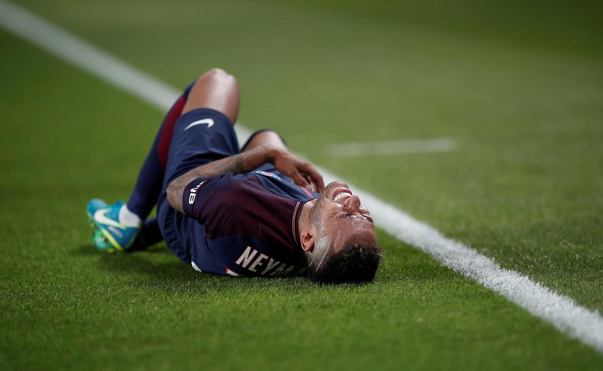 El dolor de Neymar por las patadas recibidas