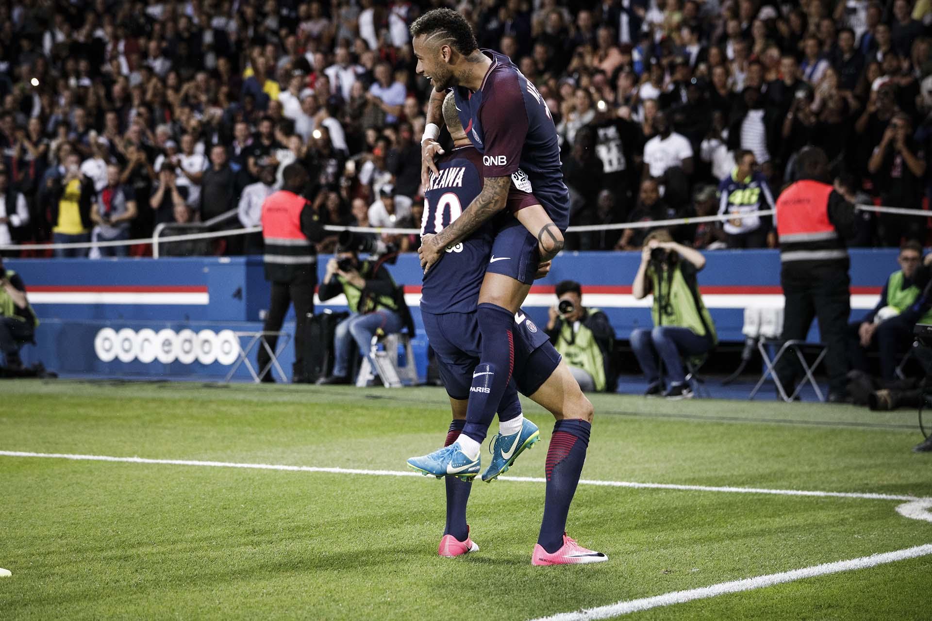 Fue el primer partido de Neymar en el Parque de los Príncipes