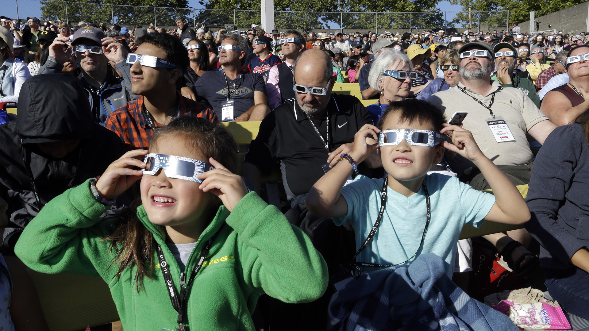 Los residentes de Salem, Oregón, Estados Unidos, esperan con gran expectativa el eclipse solar