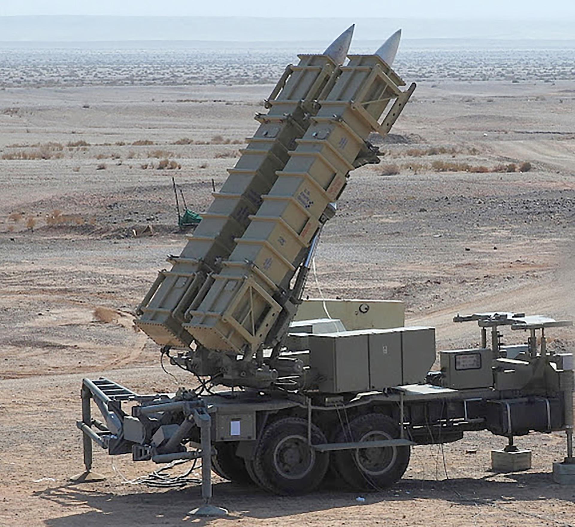 El Bavar 373 está basado en el S-300 ruso y es capaz de derribar aviones de combate, drones y misiles balísticos y de crucero (Tasnim)