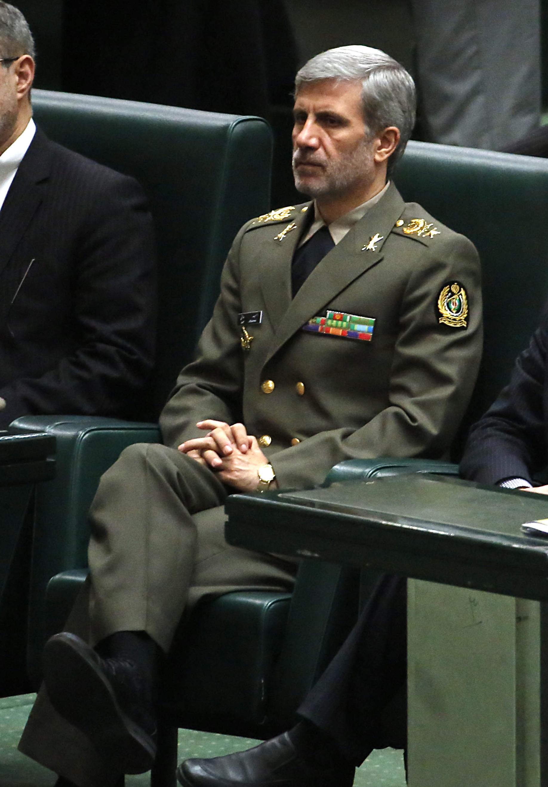 El anuncio sobre los avances en el Bavar 373 fue hecho por Ami Hatami, nuevo ministro de Defensa iraní y el primero que no pertenece a la Guardia Revolucionaria en 24 años (AFP)