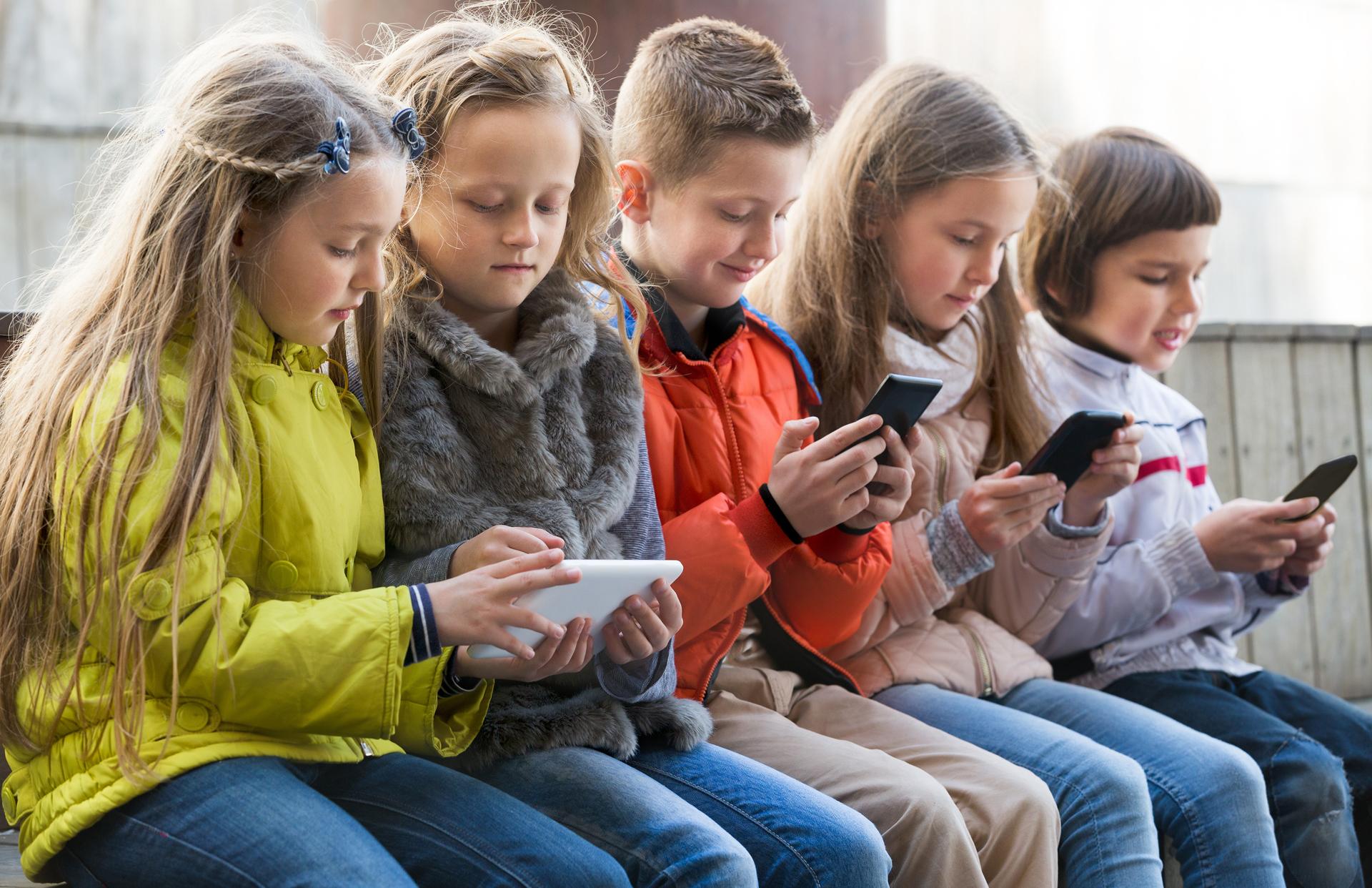 """""""La educación se suplanta por dispositivos que anulan la interacción con el otro y son innecesarios"""""""