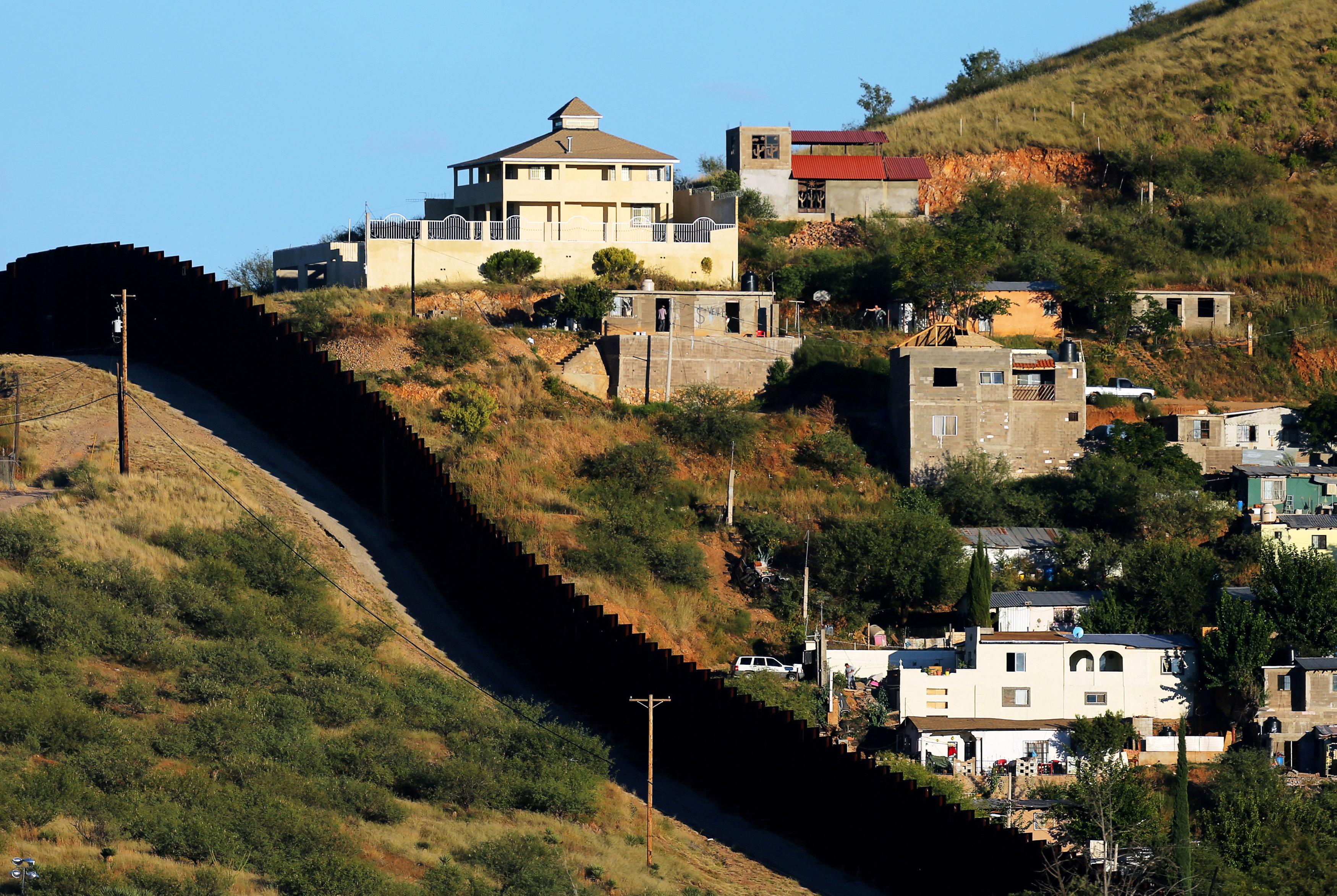 Habitaciones de Nogales, en México, en el limite con Arizona (REUTERS/Mike Blake)